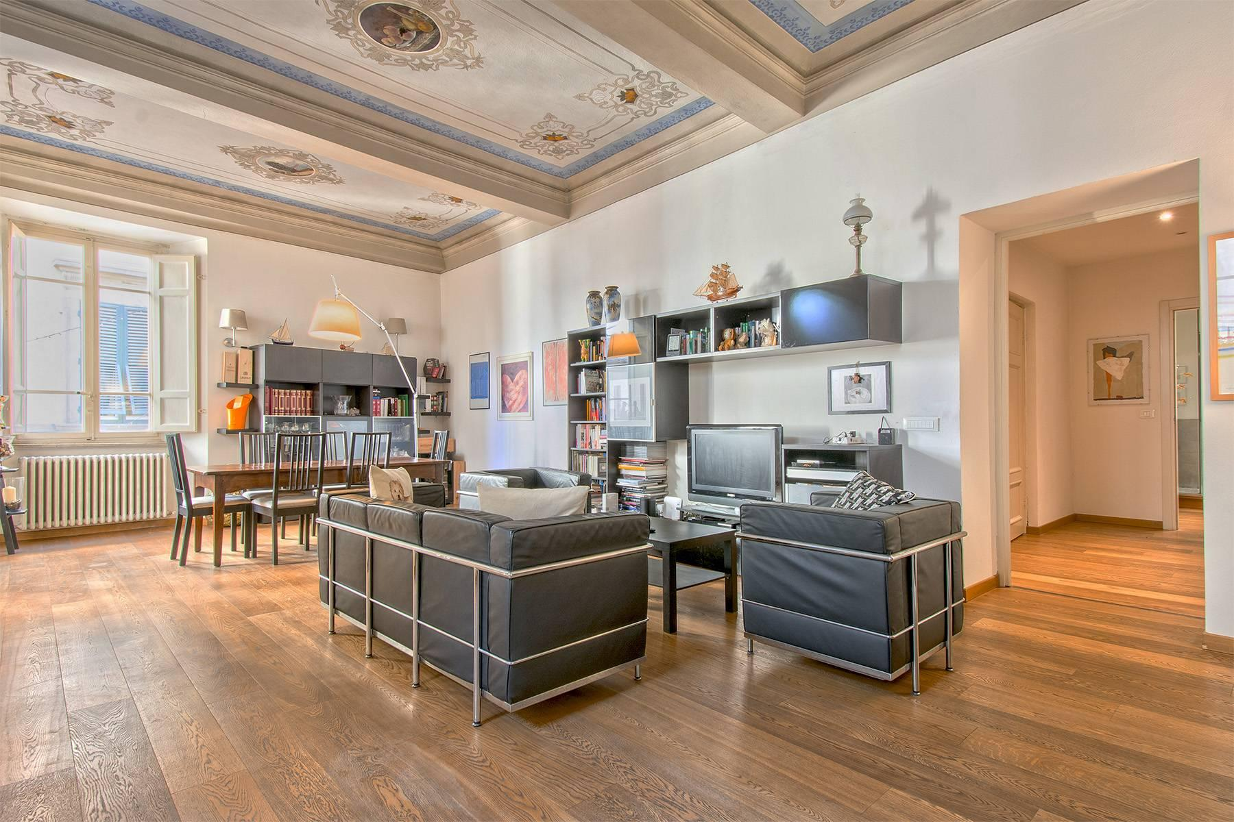 Unique luxury apartment with terrace in the medieval town of Lucca - 3