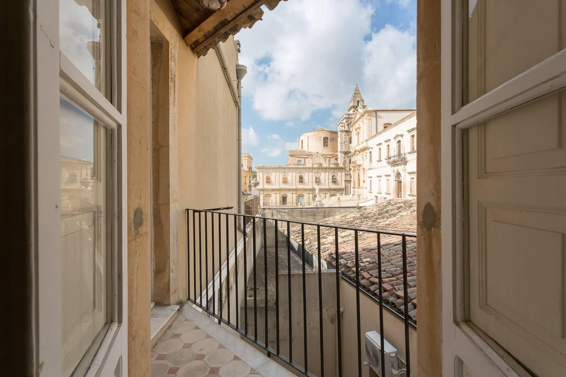 Indipendent house with terrace and view to historical center of Noto - 17