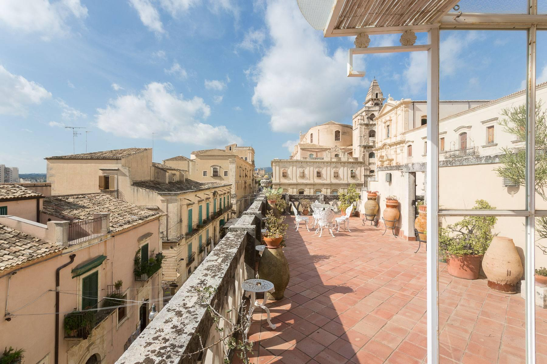 Indipendent house with terrace and view to historical center of Noto - 24