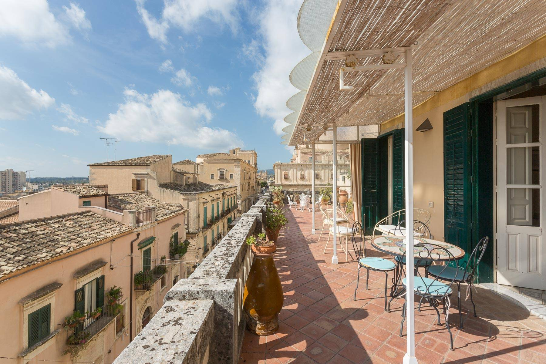 Indipendent house with terrace and view to historical center of Noto - 10