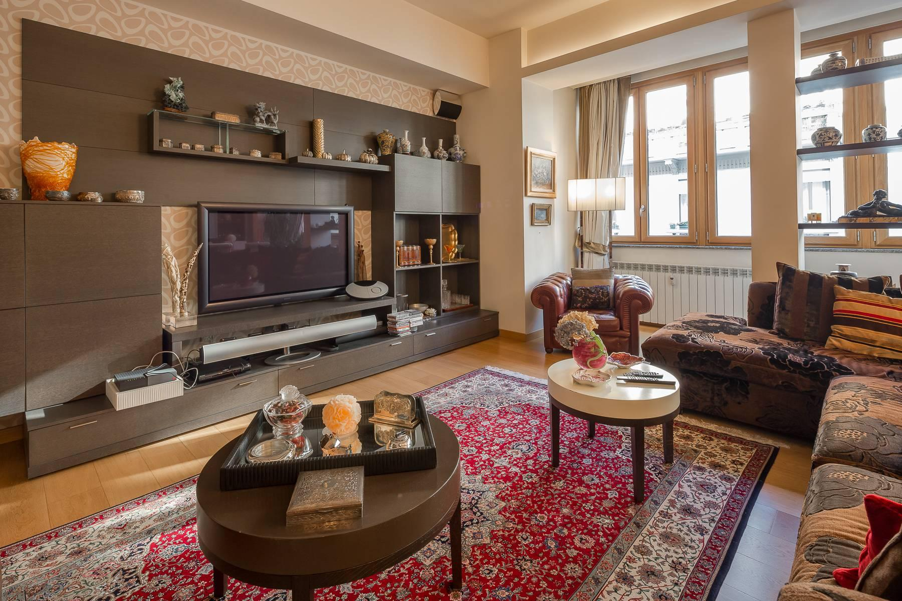 Classic-style apartment in Via Besana - 7