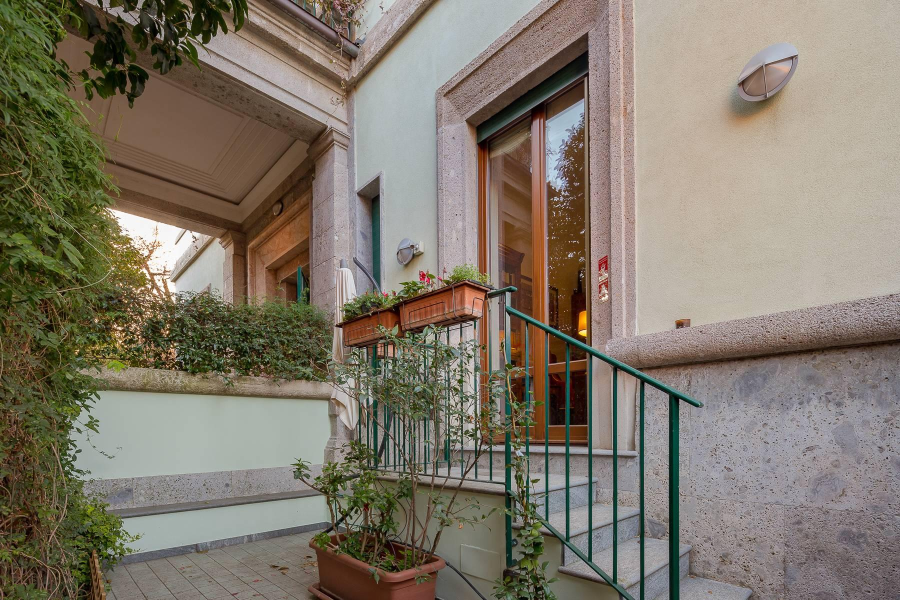 Semi-detached apartment on two levels with private garden - 19
