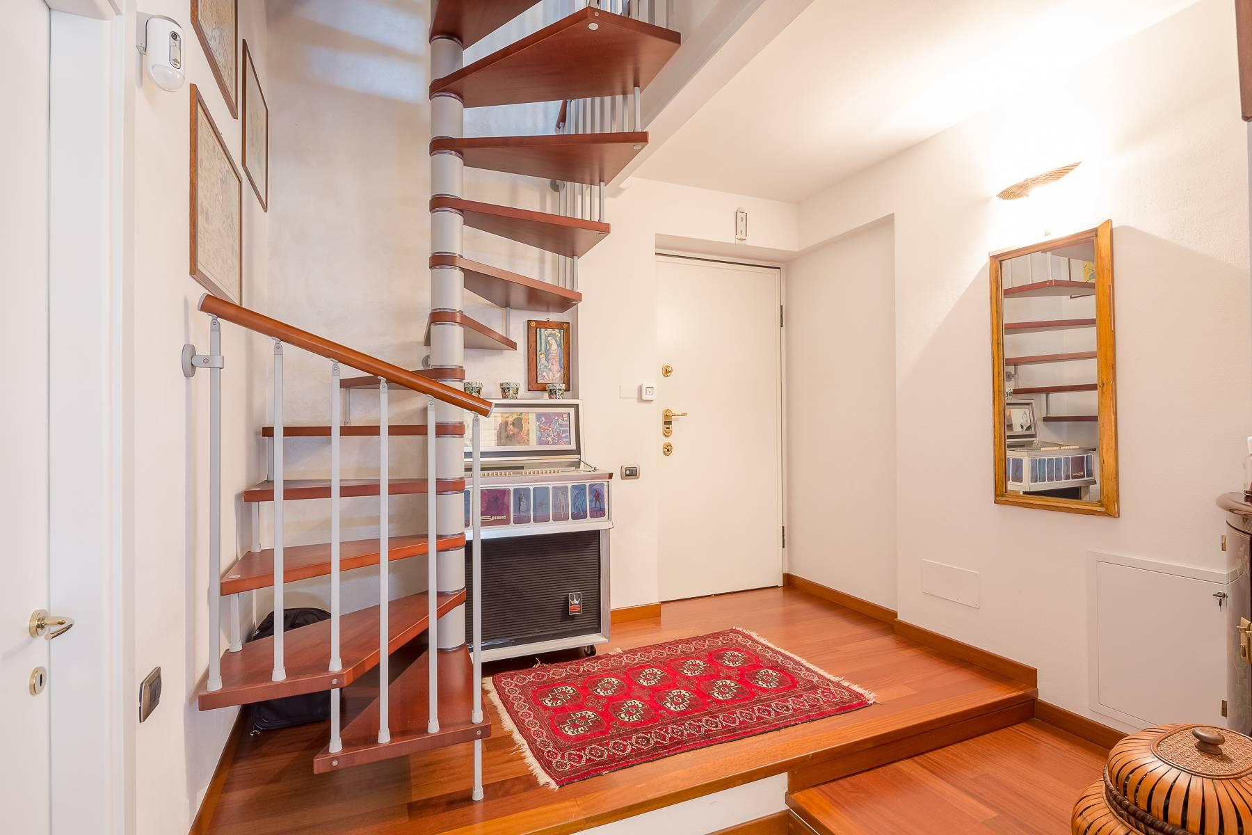 Semi-detached apartment on two levels with private garden - 22