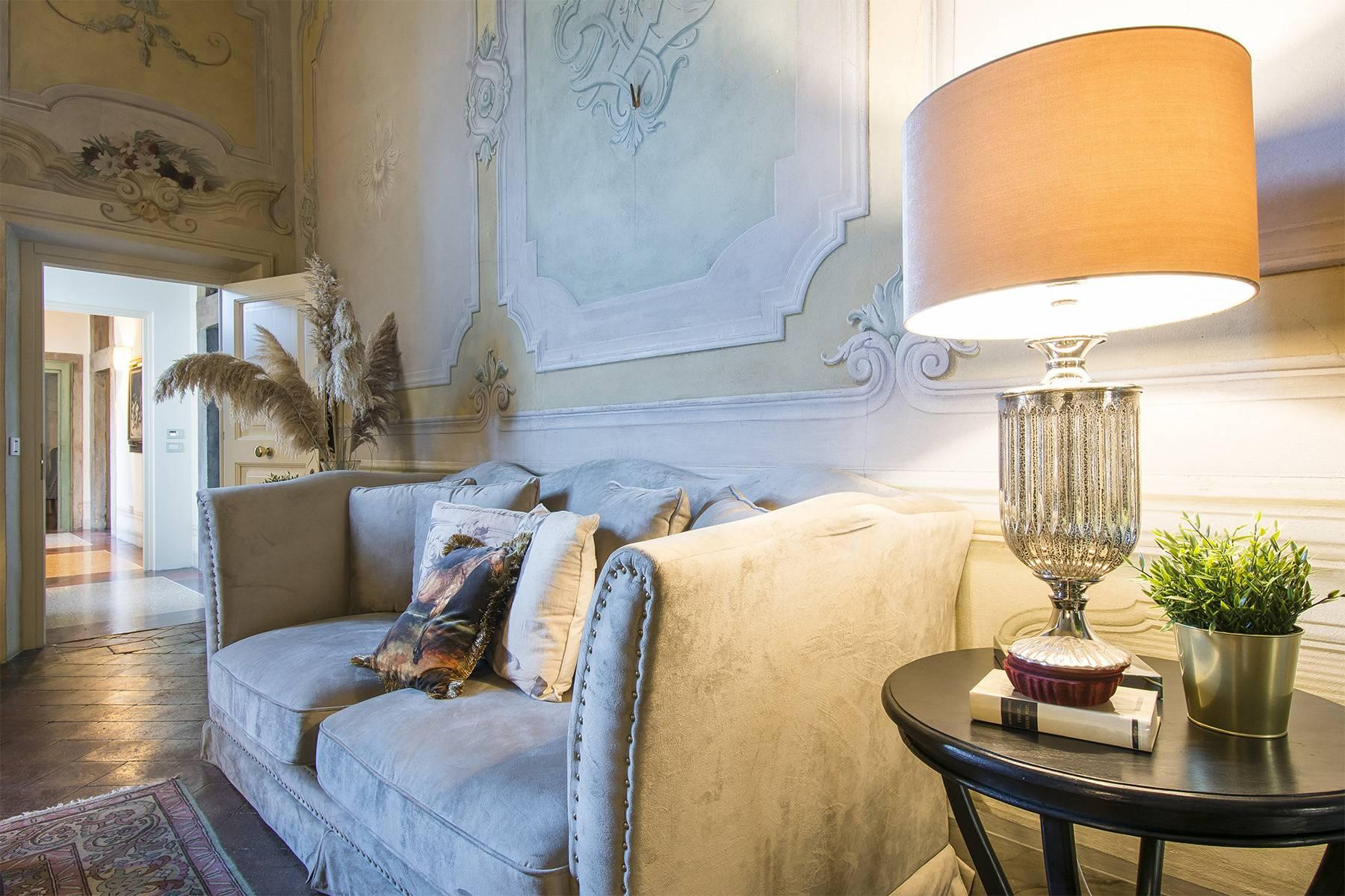 Large Luxury apartment in the heart of Lucca historic centre - 4