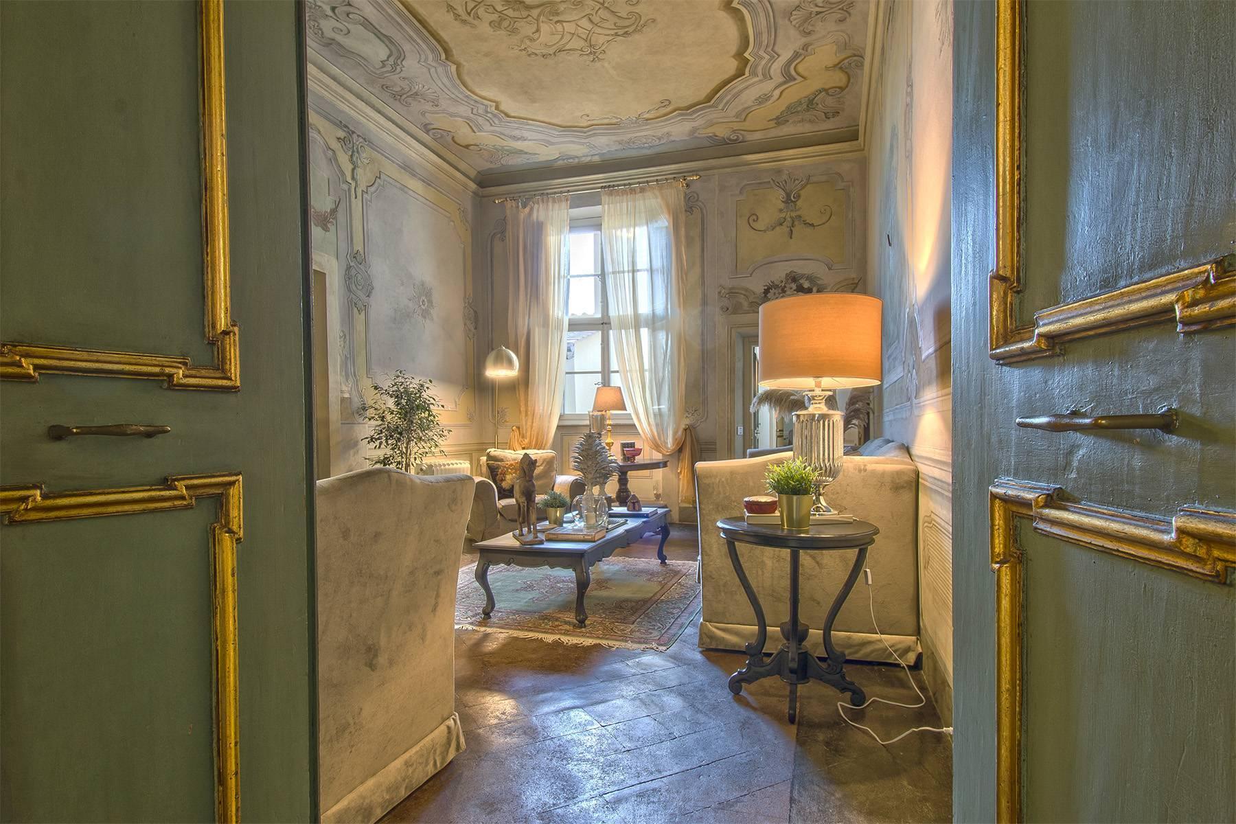 Large Luxury apartment in the heart of Lucca historic centre - 1