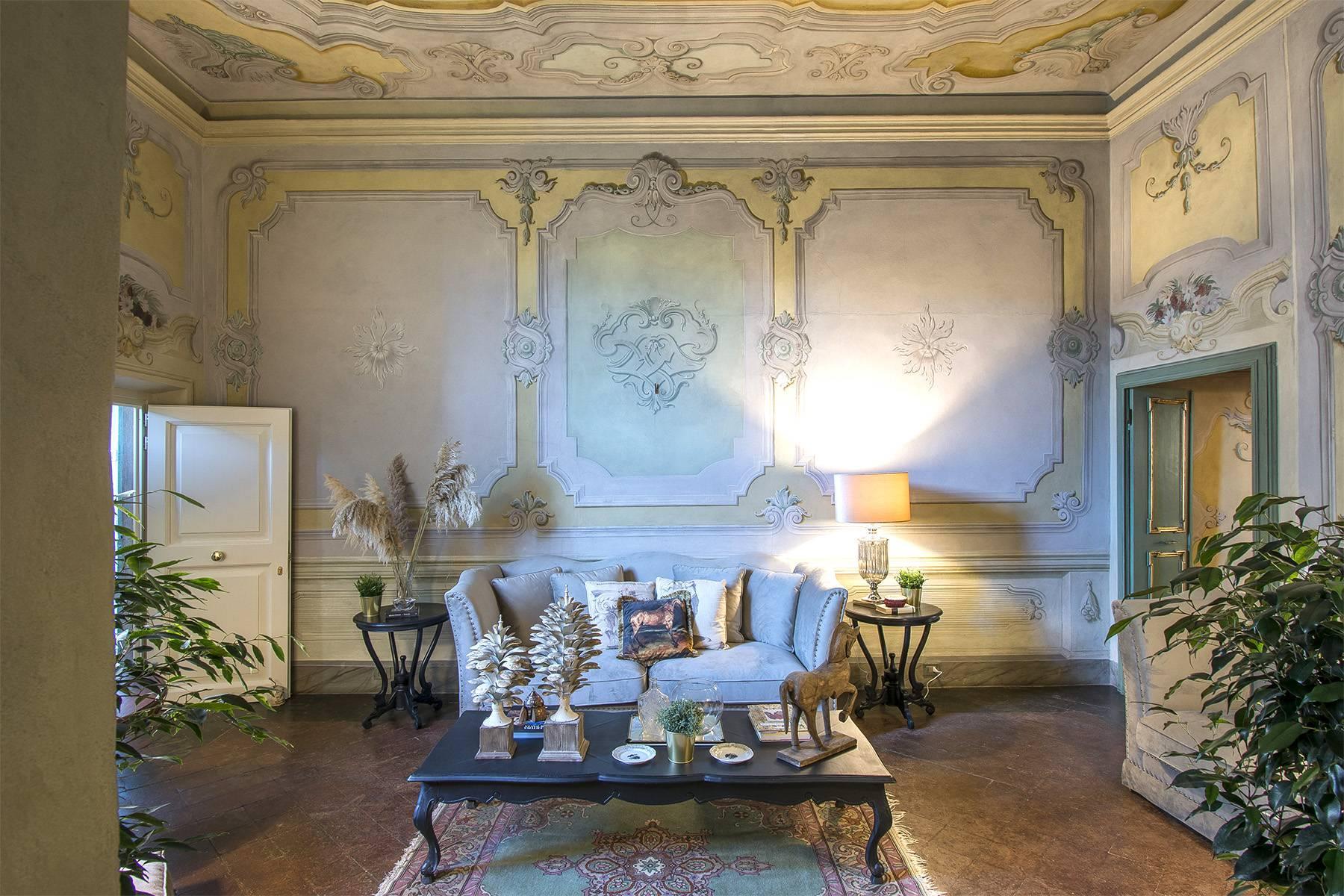 Большой роскошный апартамент в самом сердце исторического центра Лукки - 3