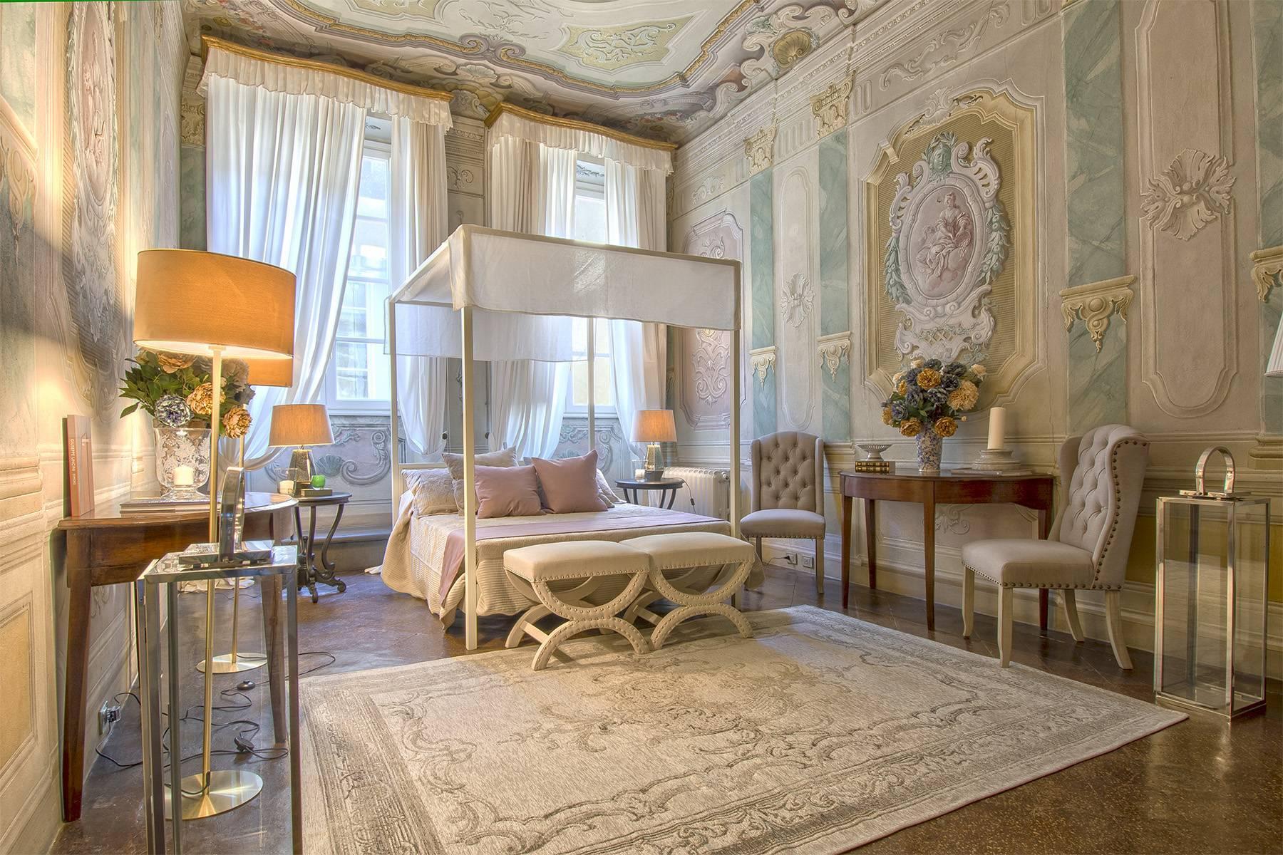 Большой роскошный апартамент в самом сердце исторического центра Лукки - 11