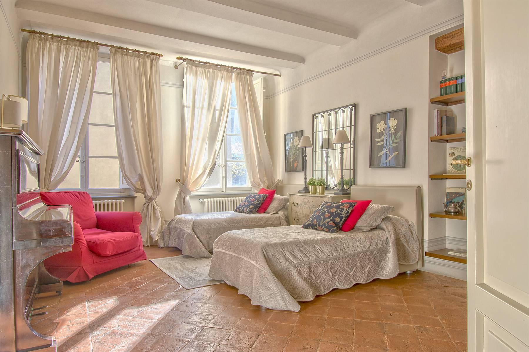 Большой роскошный апартамент в самом сердце исторического центра Лукки - 13