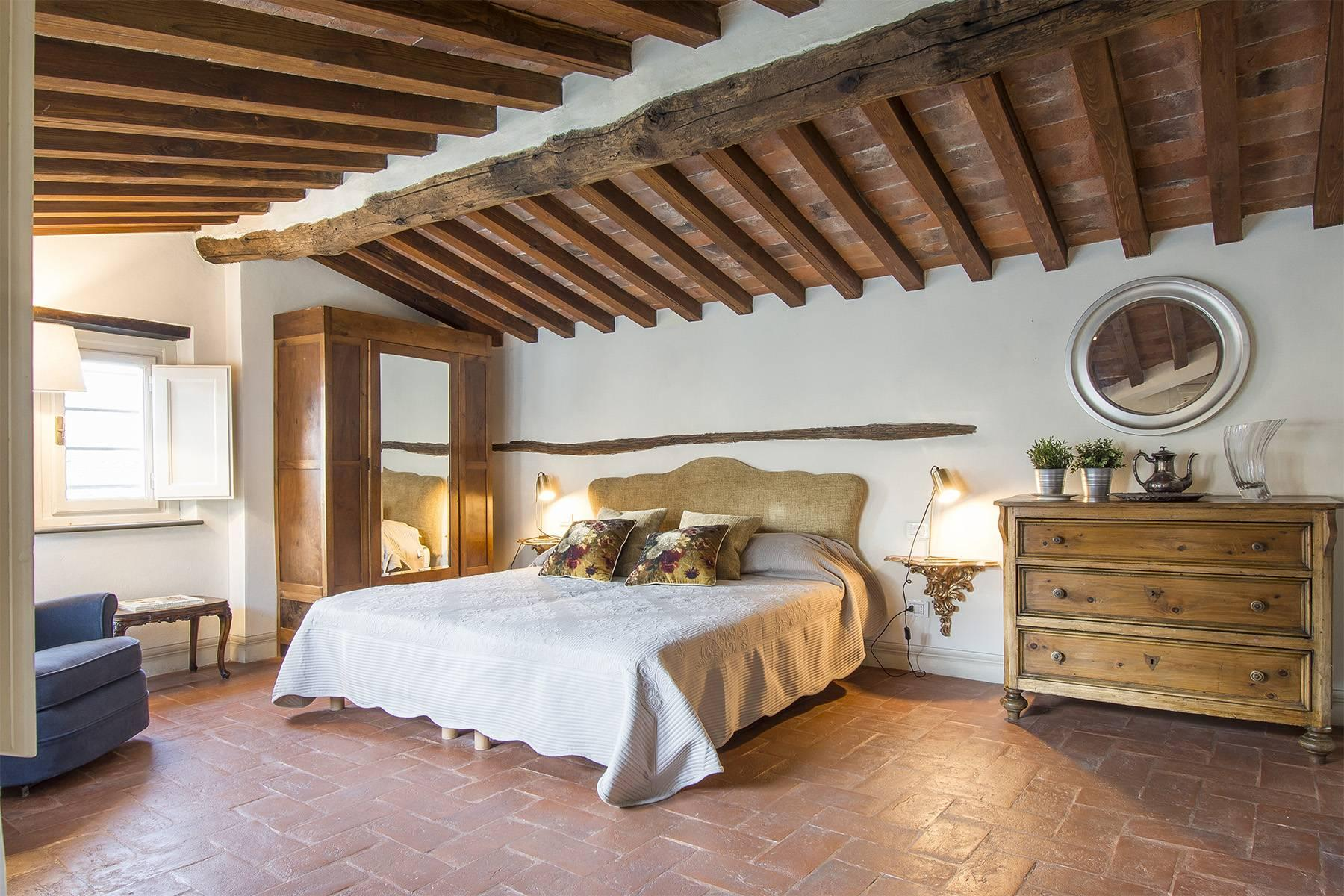Large Luxury apartment in the heart of Lucca historic centre - 21