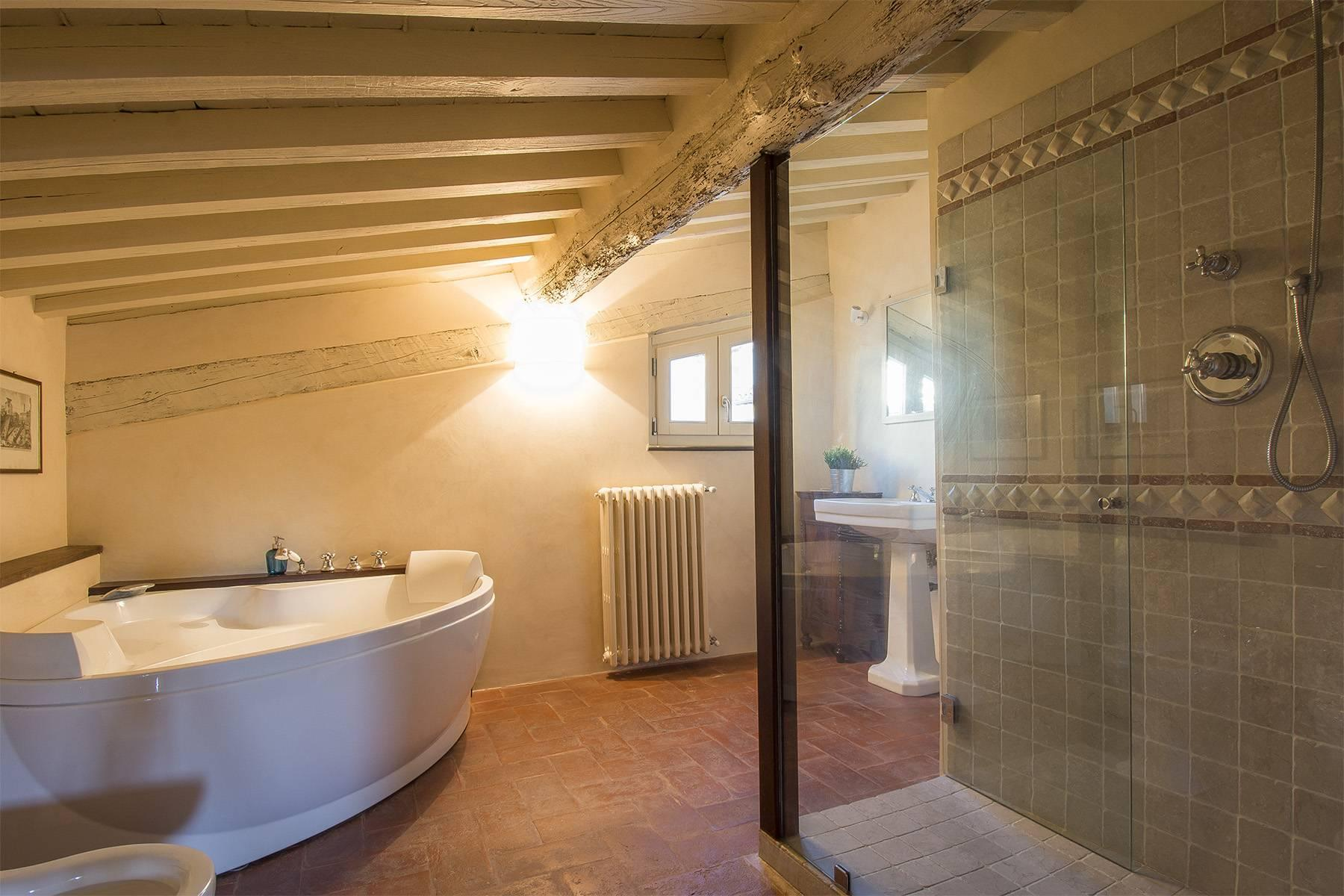 Large Luxury apartment in the heart of Lucca historic centre - 22