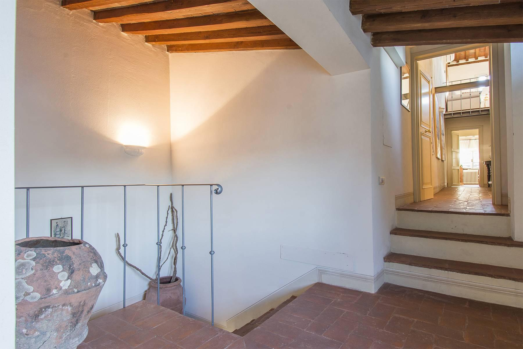 Large Luxury apartment in the heart of Lucca historic centre - 23