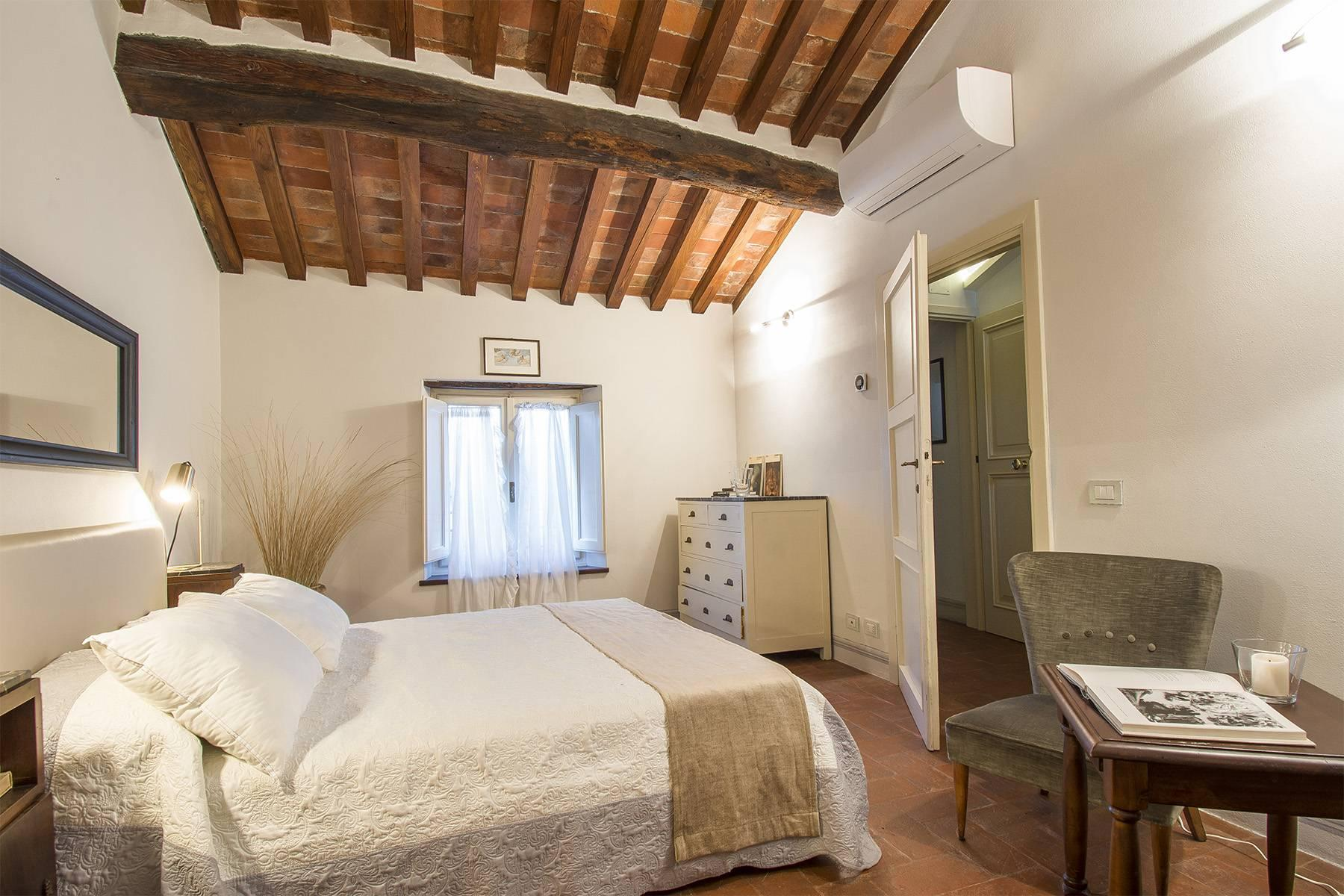 Large Luxury apartment in the heart of Lucca historic centre - 25