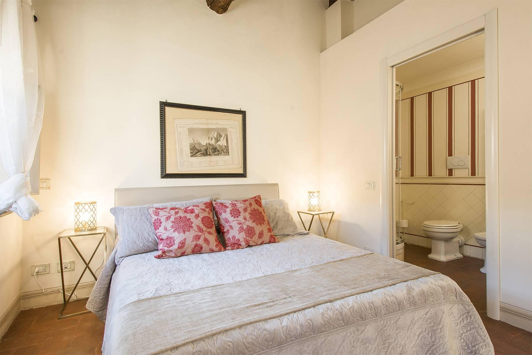Large Luxury apartment in the heart of Lucca historic centre - 26