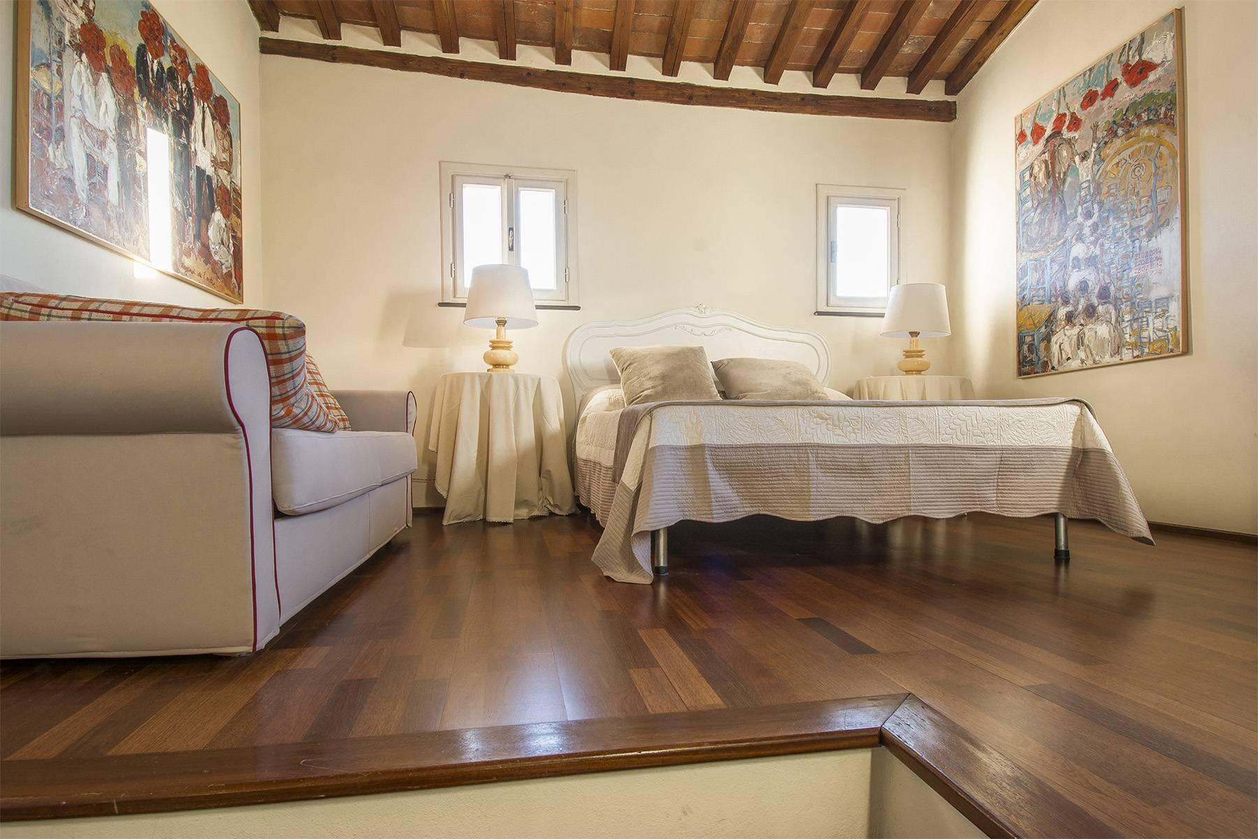Large Luxury apartment in the heart of Lucca historic centre - 31