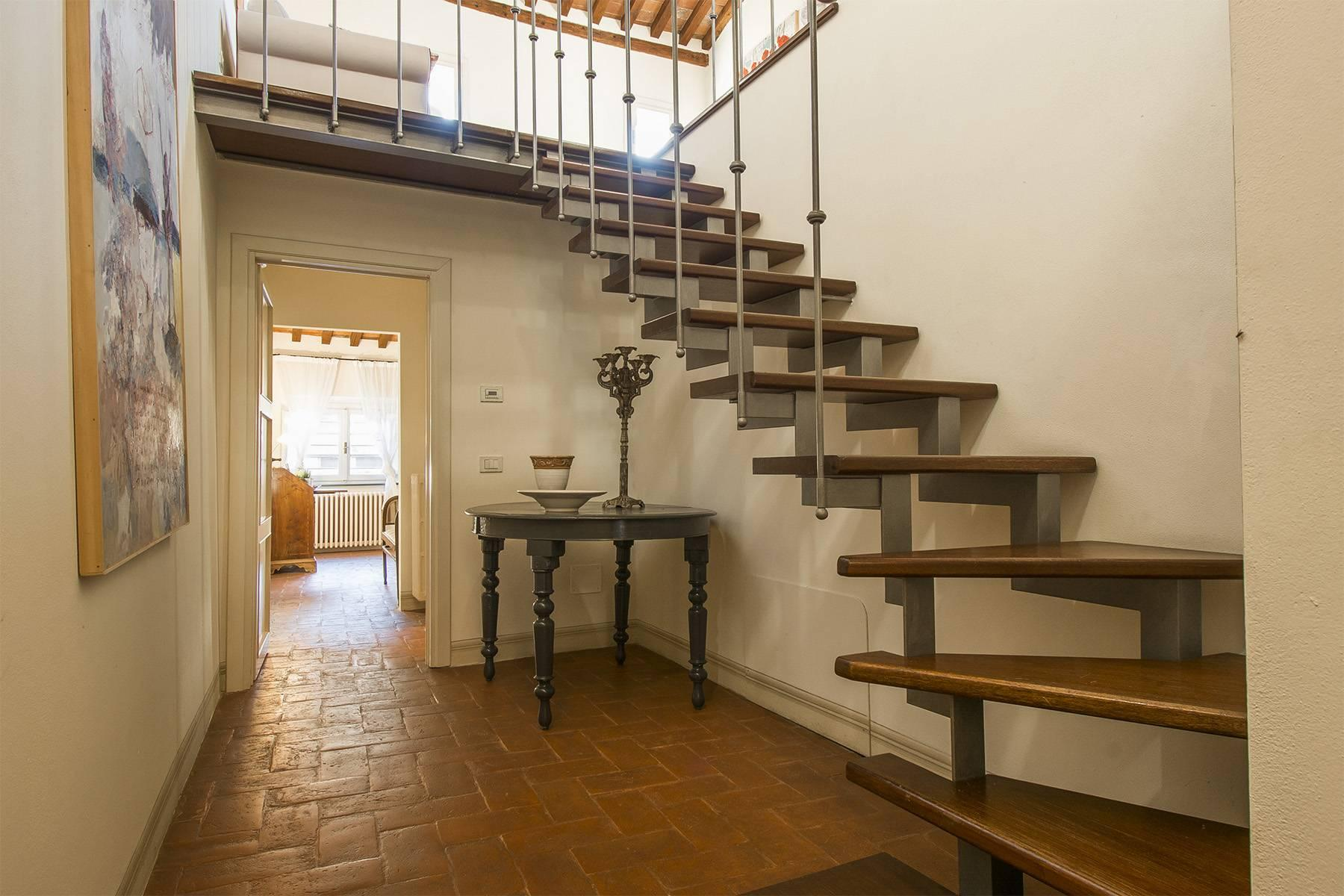 Large Luxury apartment in the heart of Lucca historic centre - 16