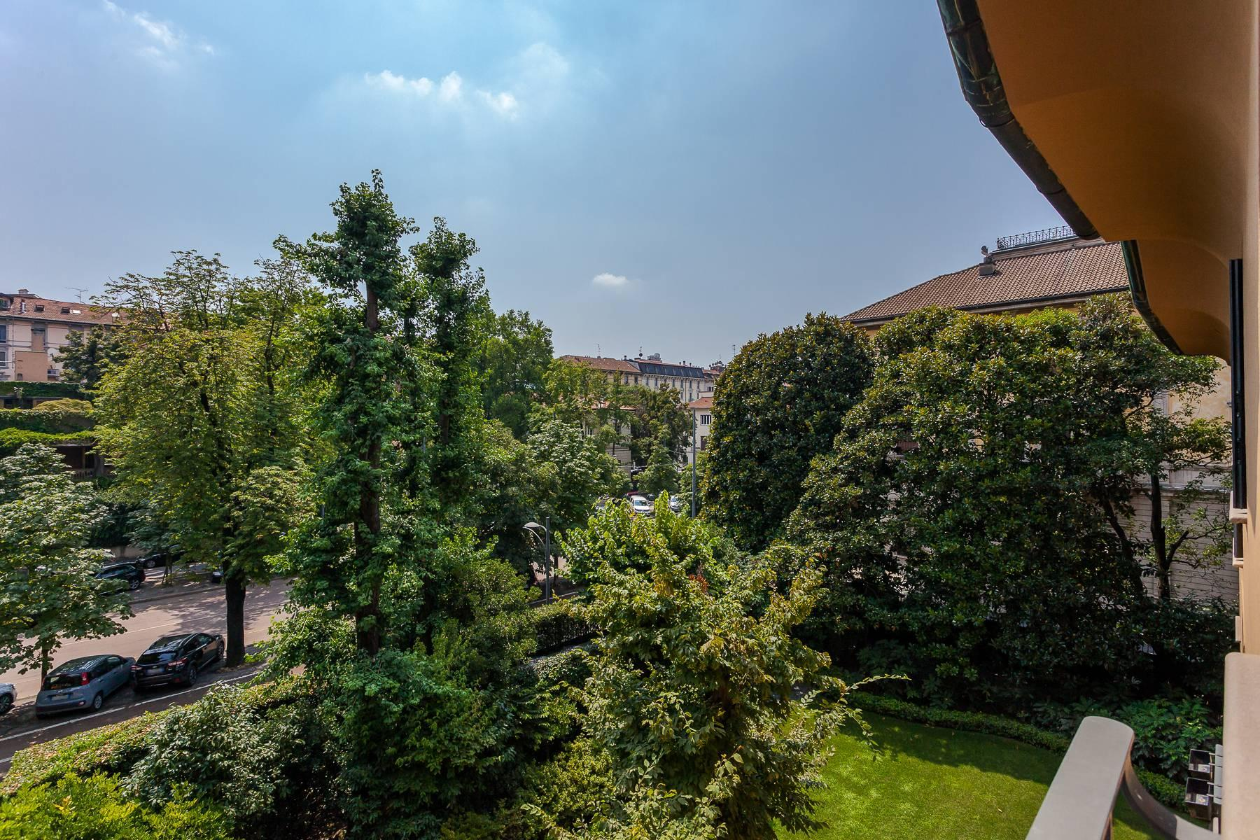 Inviting 482 sqm property with a view of the greenery in the XX Settembre / Tamburini area - 29