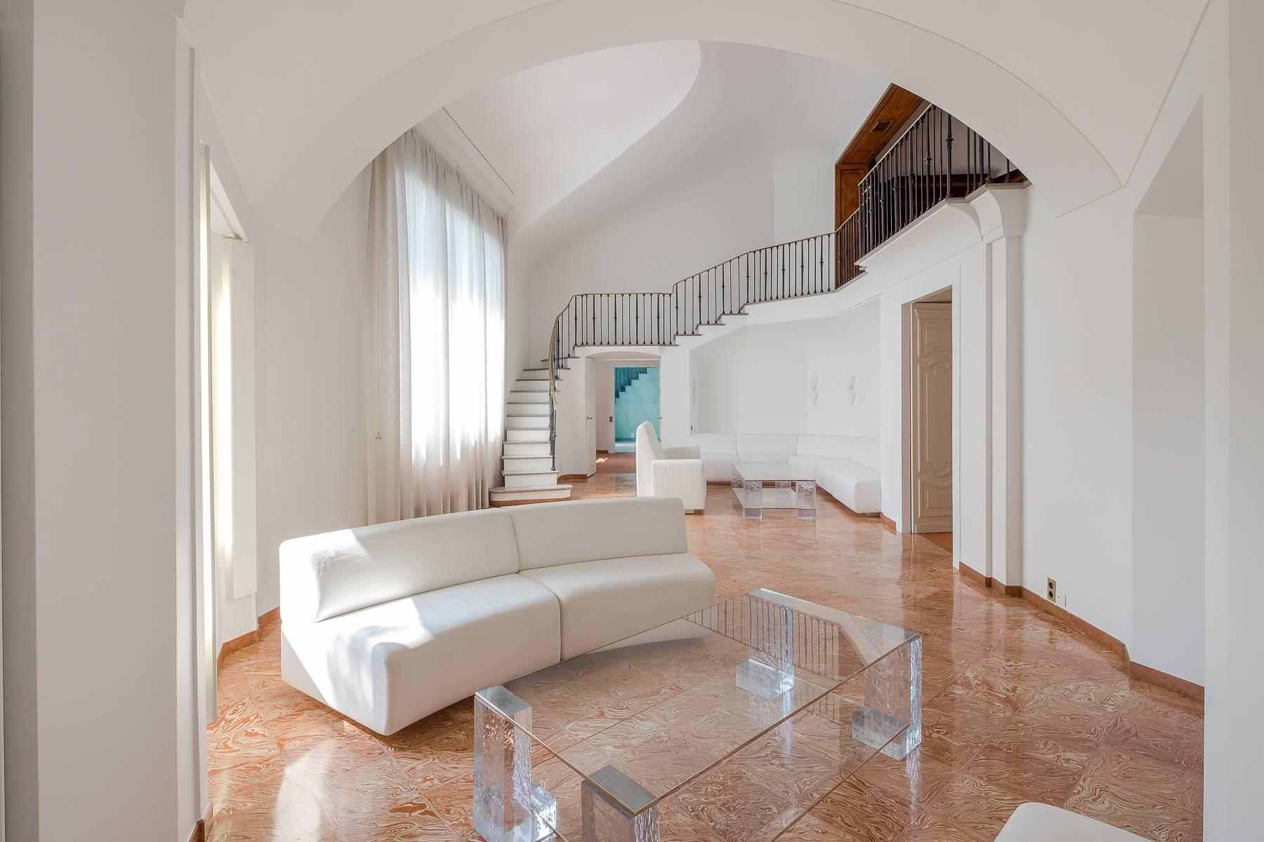 Inviting 482 sqm property with a view of the greenery in the XX Settembre / Tamburini area - 14