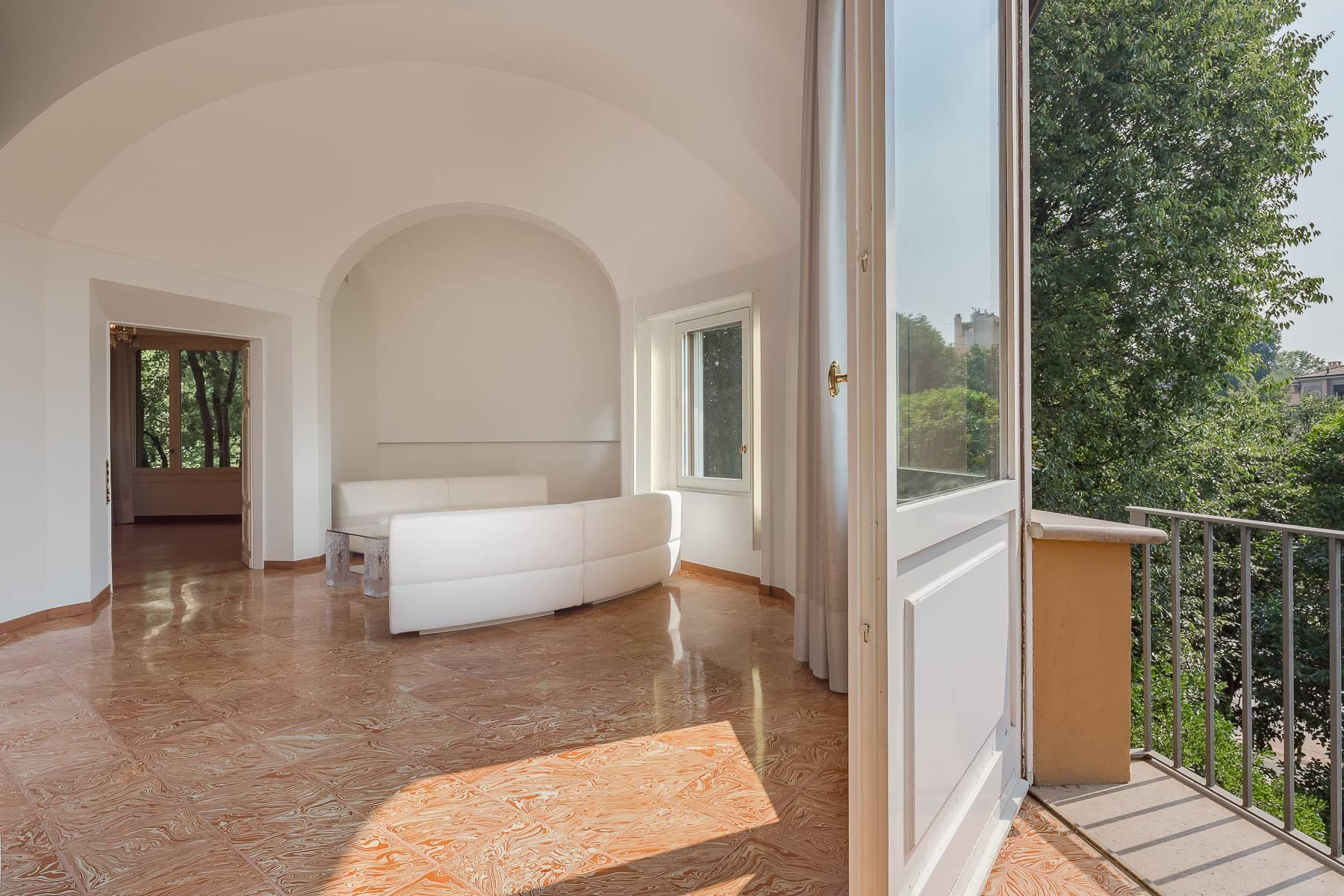 Inviting 482 sqm property with a view of the greenery in the XX Settembre / Tamburini area - 15
