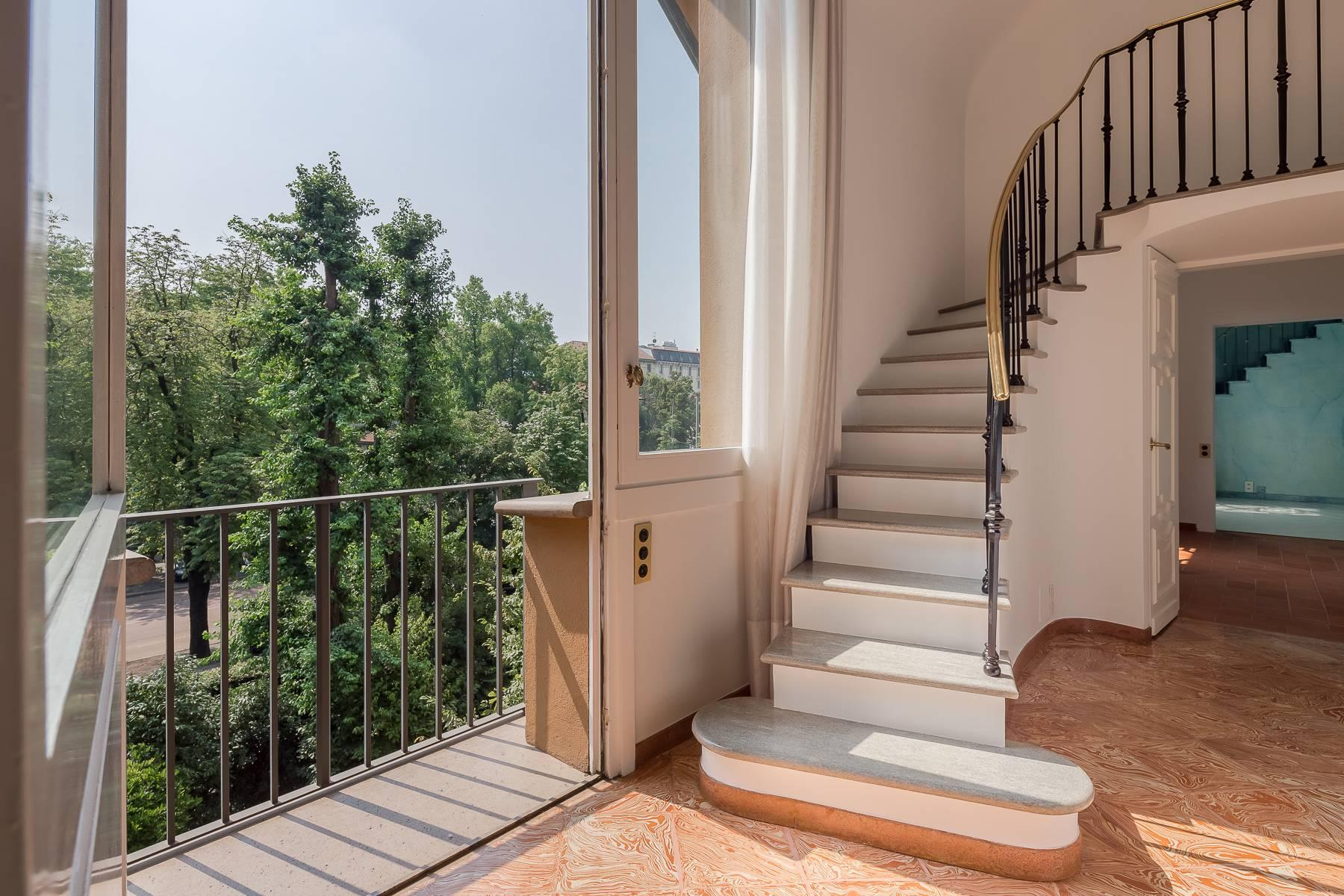 Inviting 482 sqm property with a view of the greenery in the XX Settembre / Tamburini area - 9