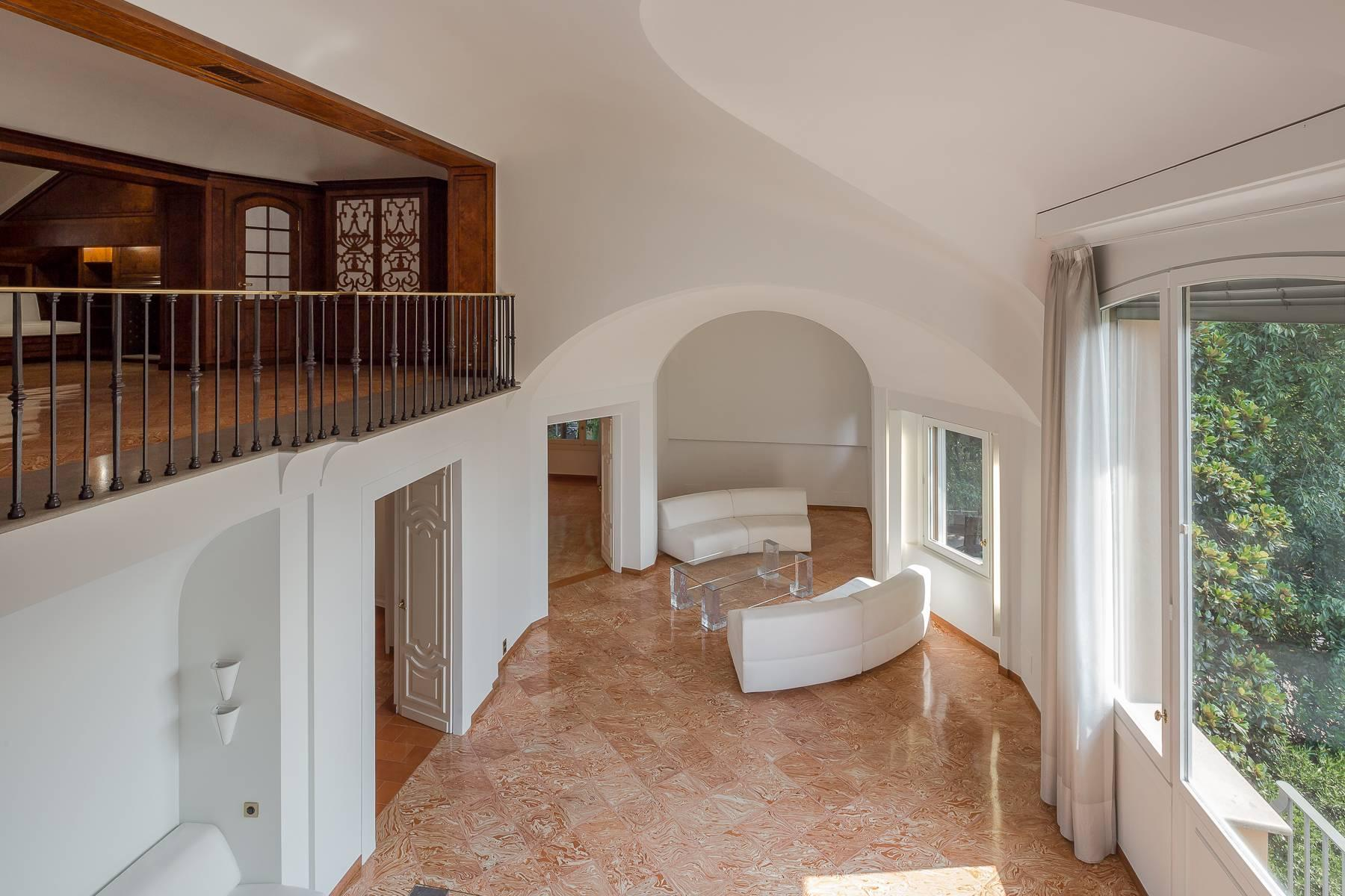 Inviting 482 sqm property with a view of the greenery in the XX Settembre / Tamburini area - 10