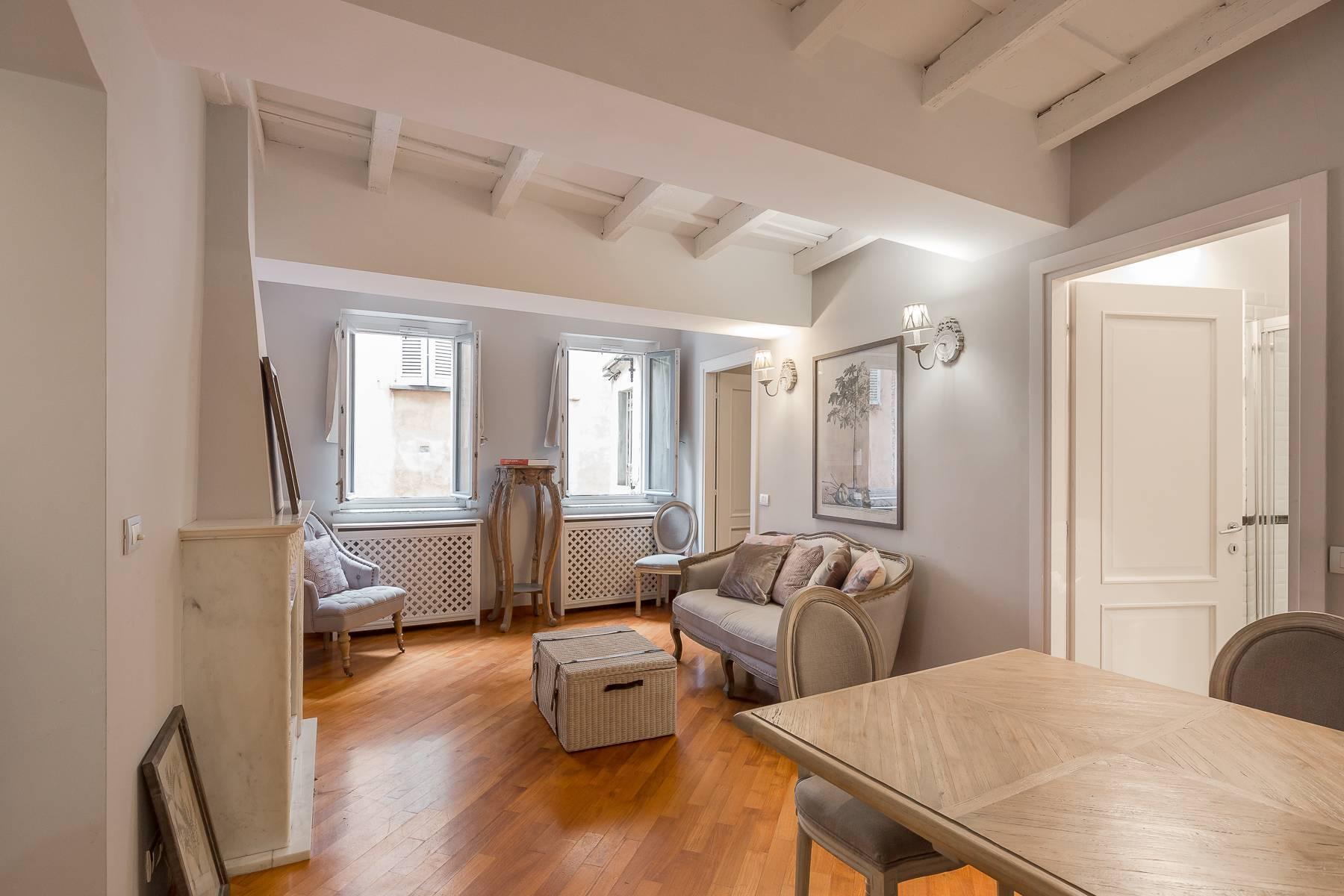 Fully furnished three-room apartment in the heart of Brera - 7