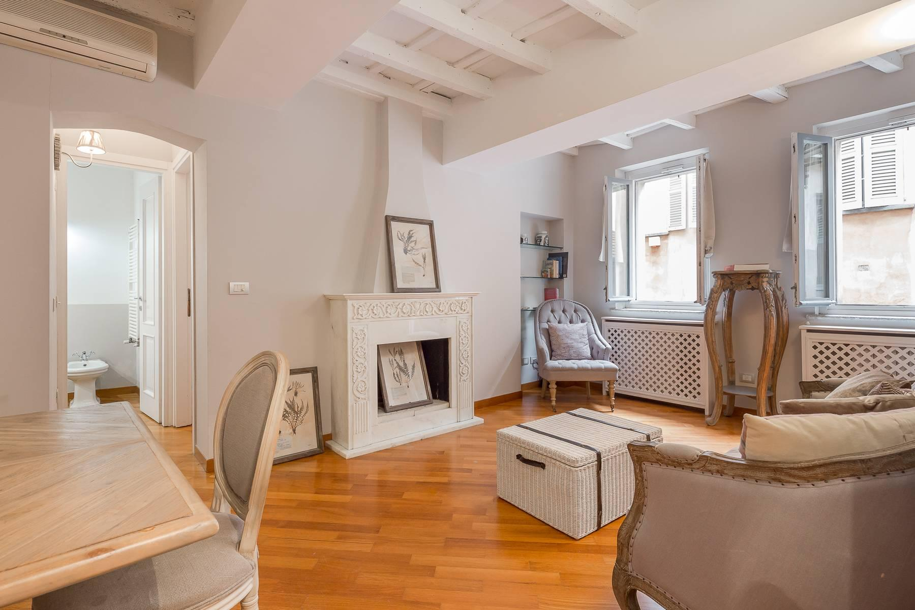 Fully furnished three-room apartment in the heart of Brera - 4