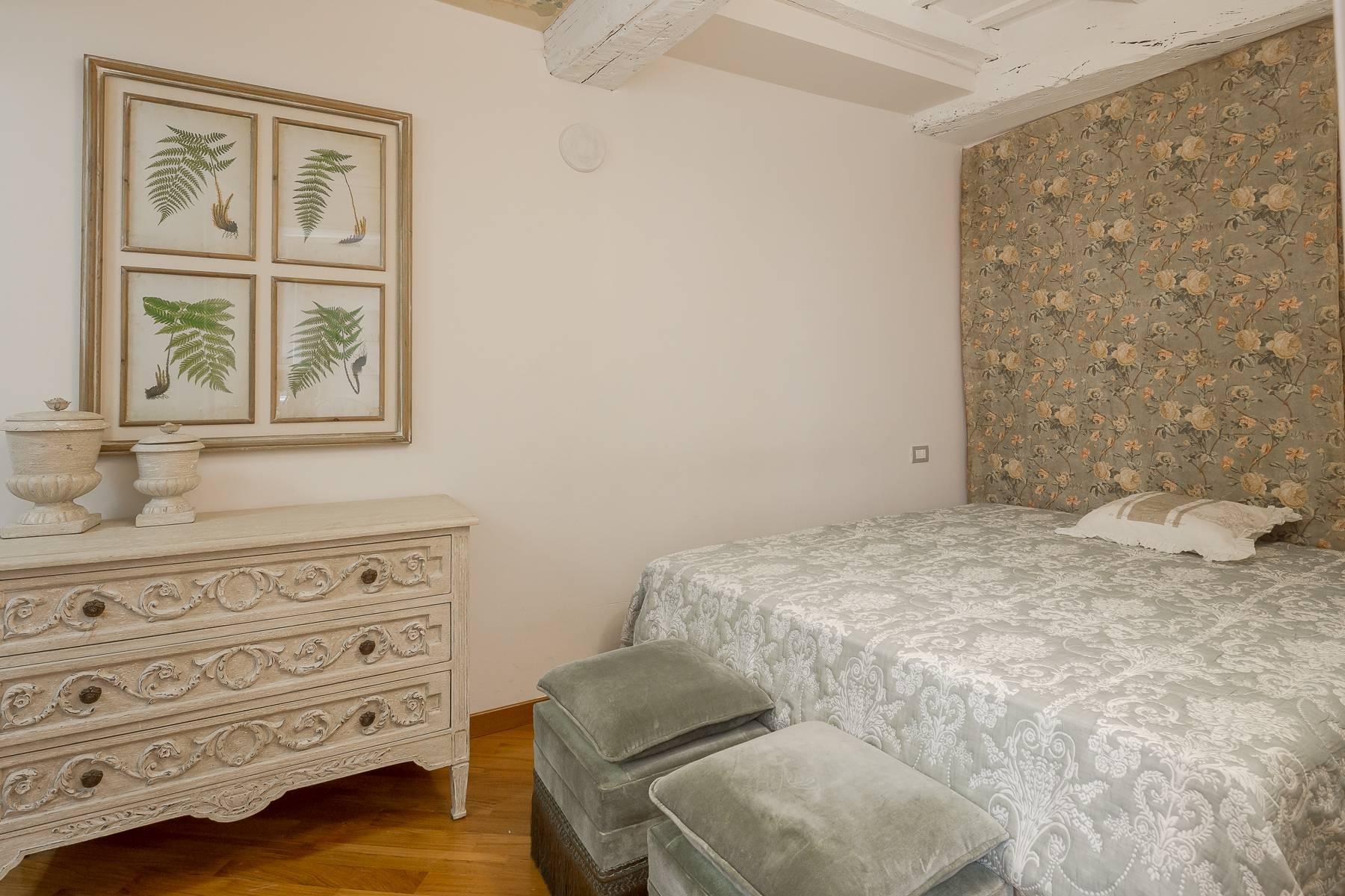 Полностью меблированная трехкомнатная квартира в самом центре Бреры - 11