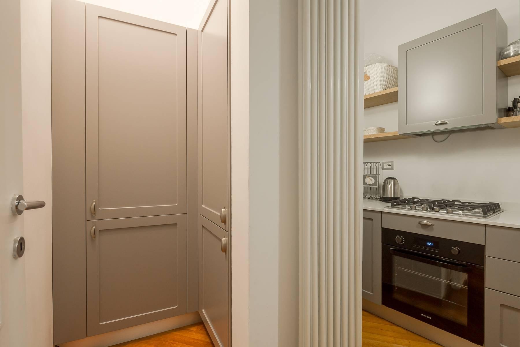 Полностью меблированная трехкомнатная квартира в самом центре Бреры - 14