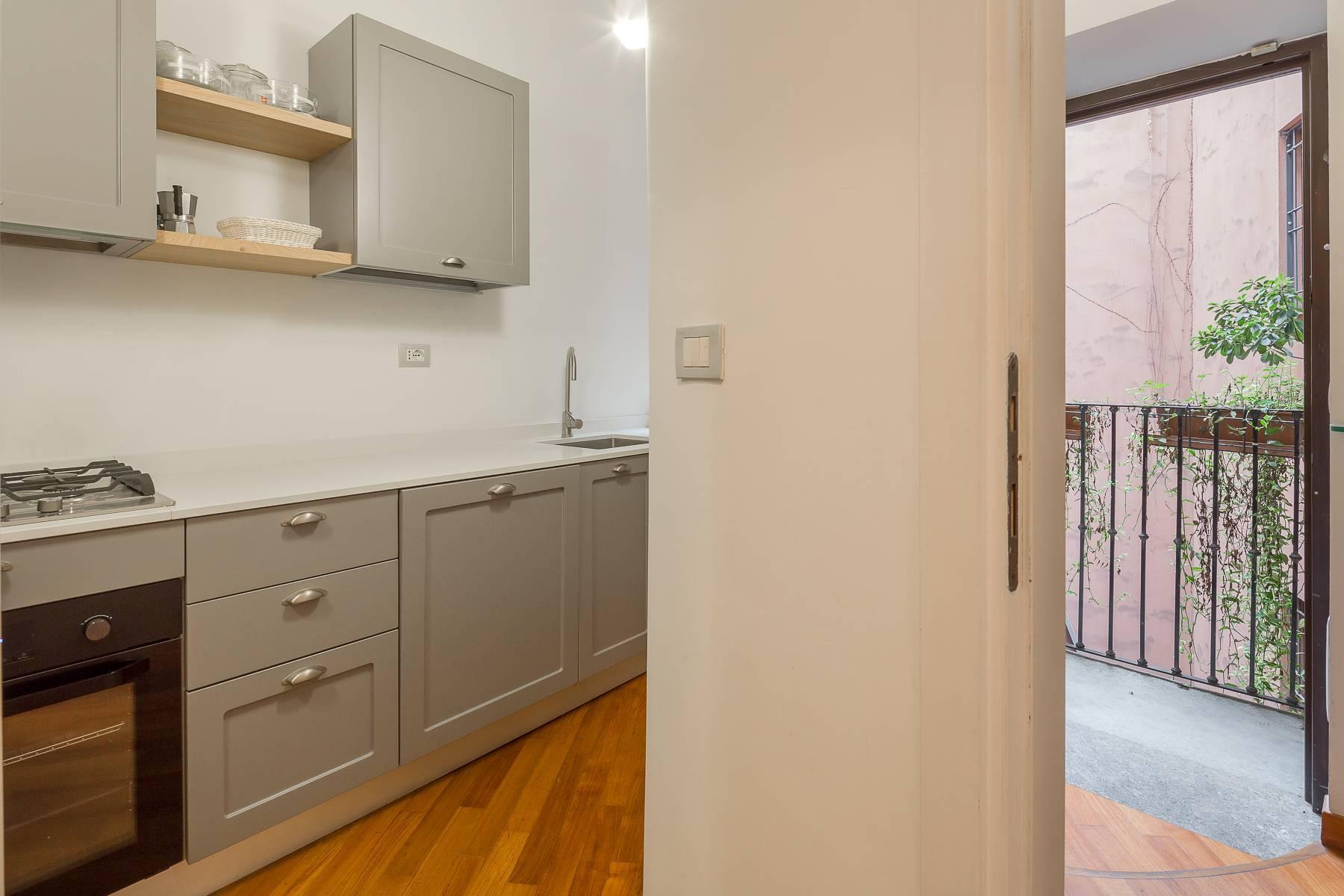 Полностью меблированная трехкомнатная квартира в самом центре Бреры - 16