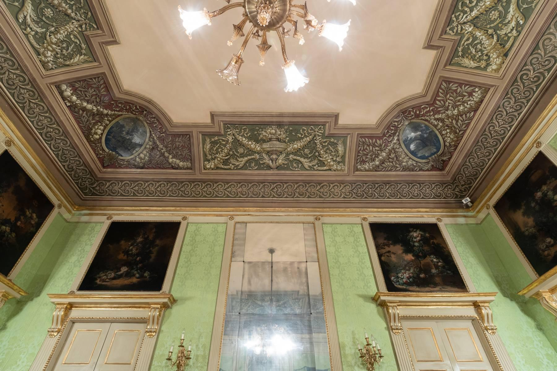 Magnificent apartment in historical Palazzo - 20
