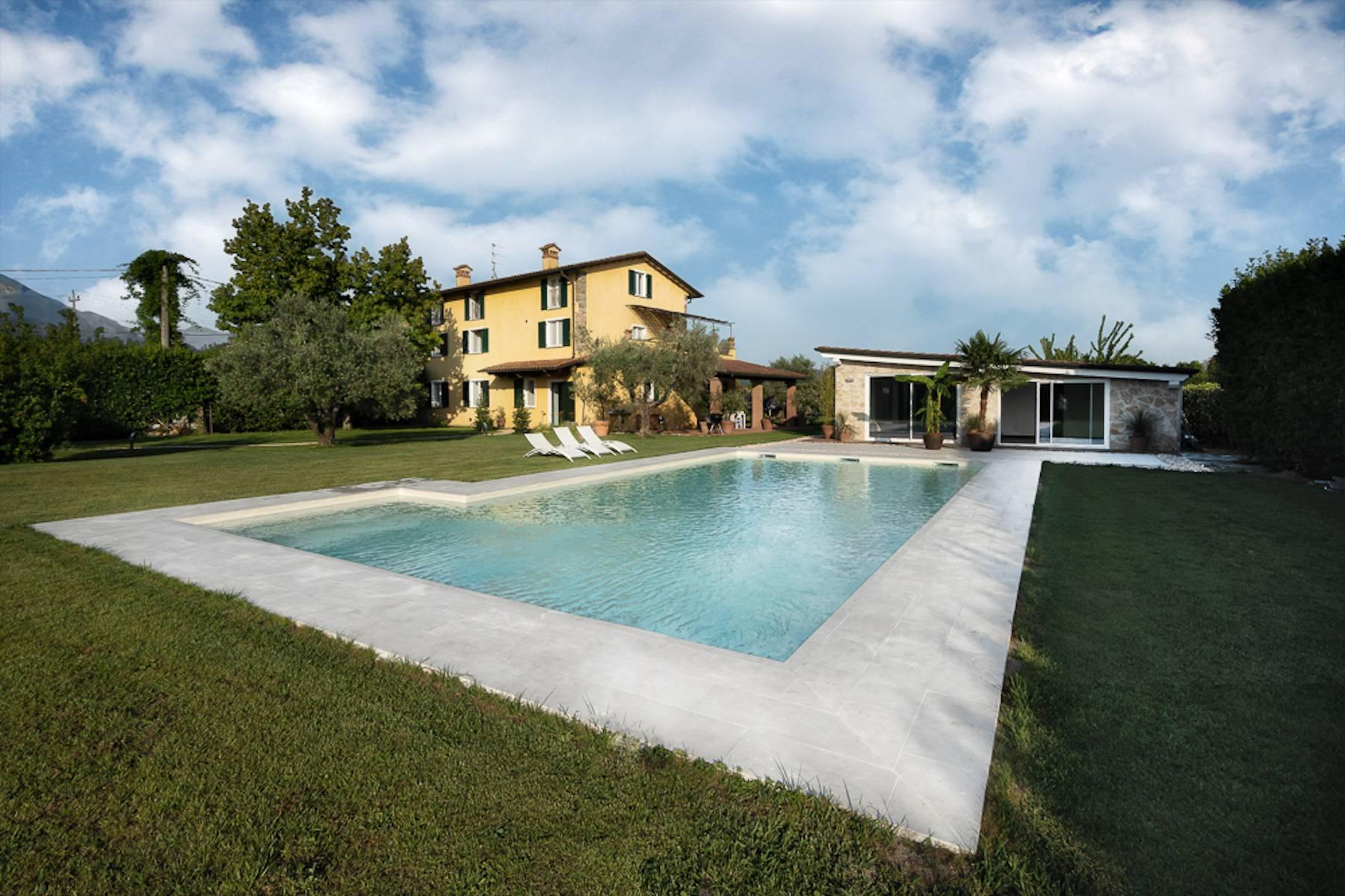 Beautiful farmhouse near Forte dei Marmi - 2