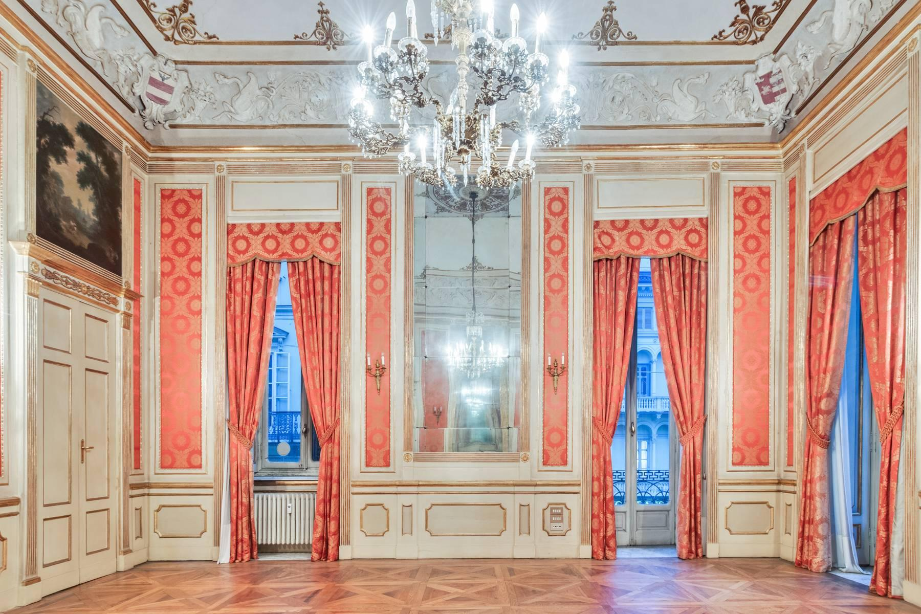 Magnificent apartment in historical Palazzo - 11