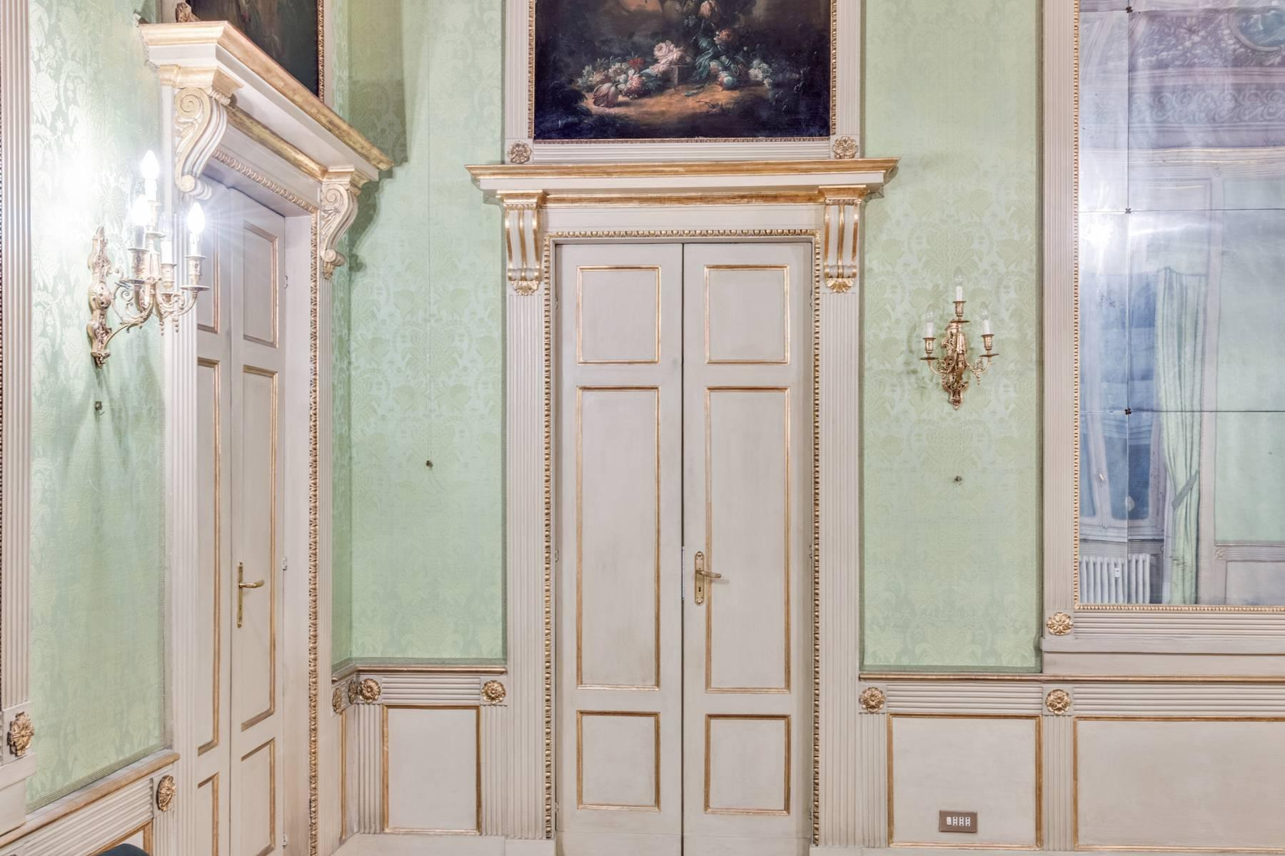 Magnificent apartment in historical Palazzo - 22