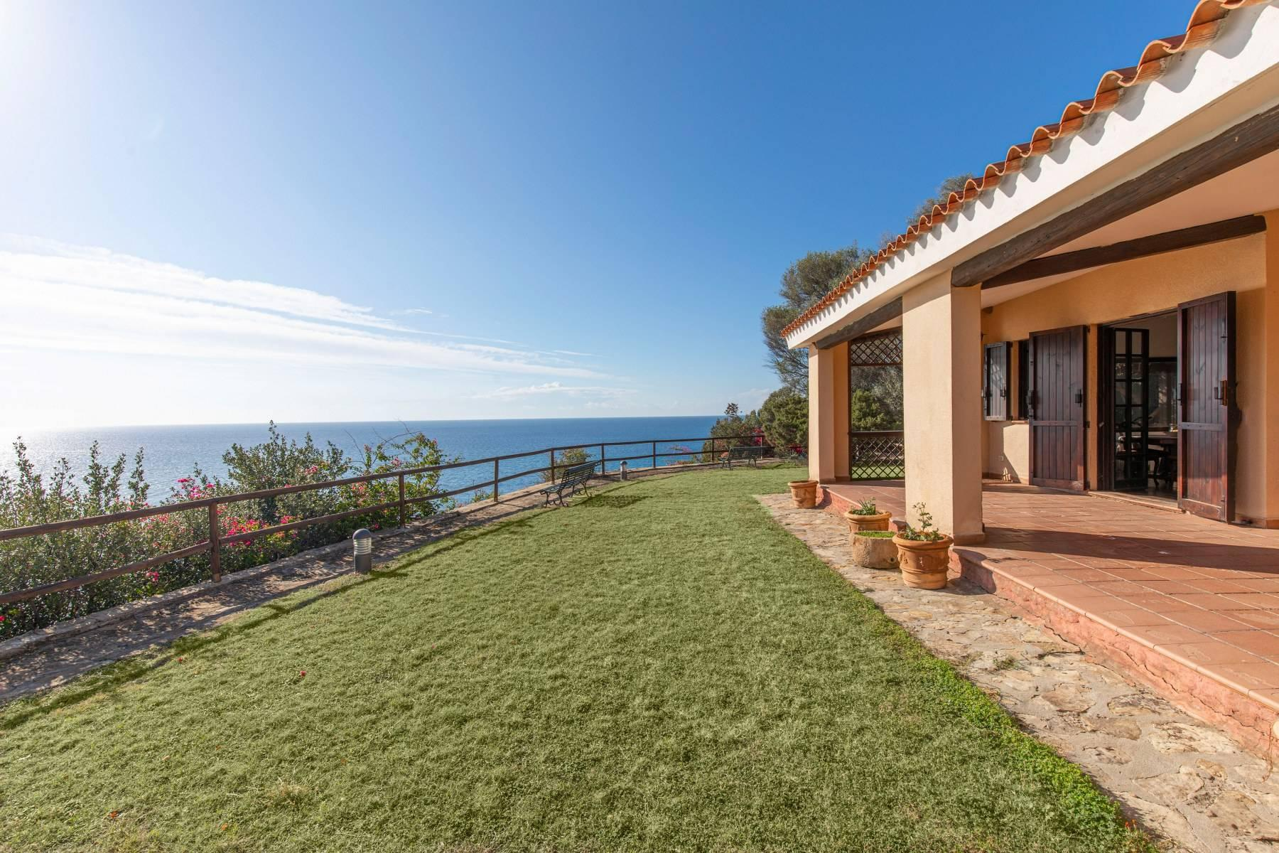 Beautiful waterfront property on the beach Kala e Moru - 16