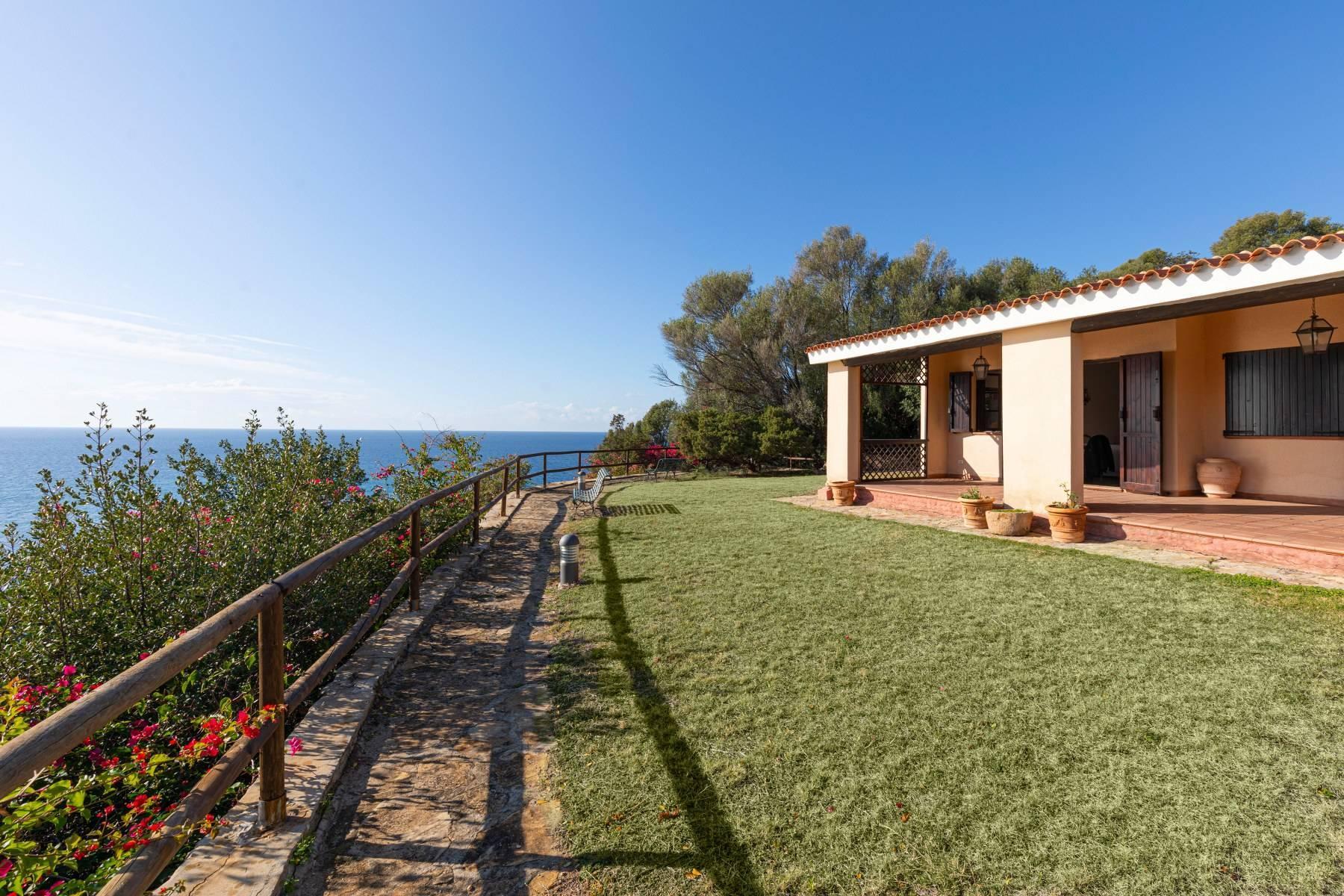 Beautiful waterfront property on the beach Kala e Moru - 12