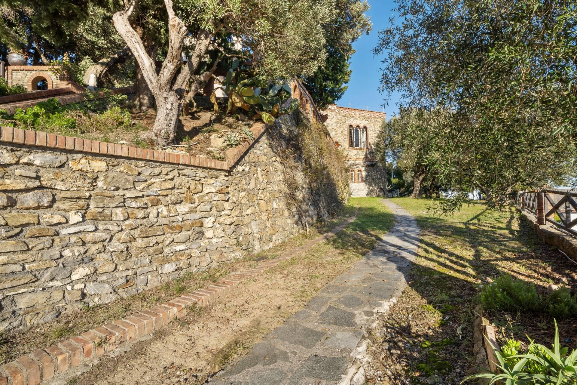 Splendid and exclusive historic villa on the hills of Albenga - 15