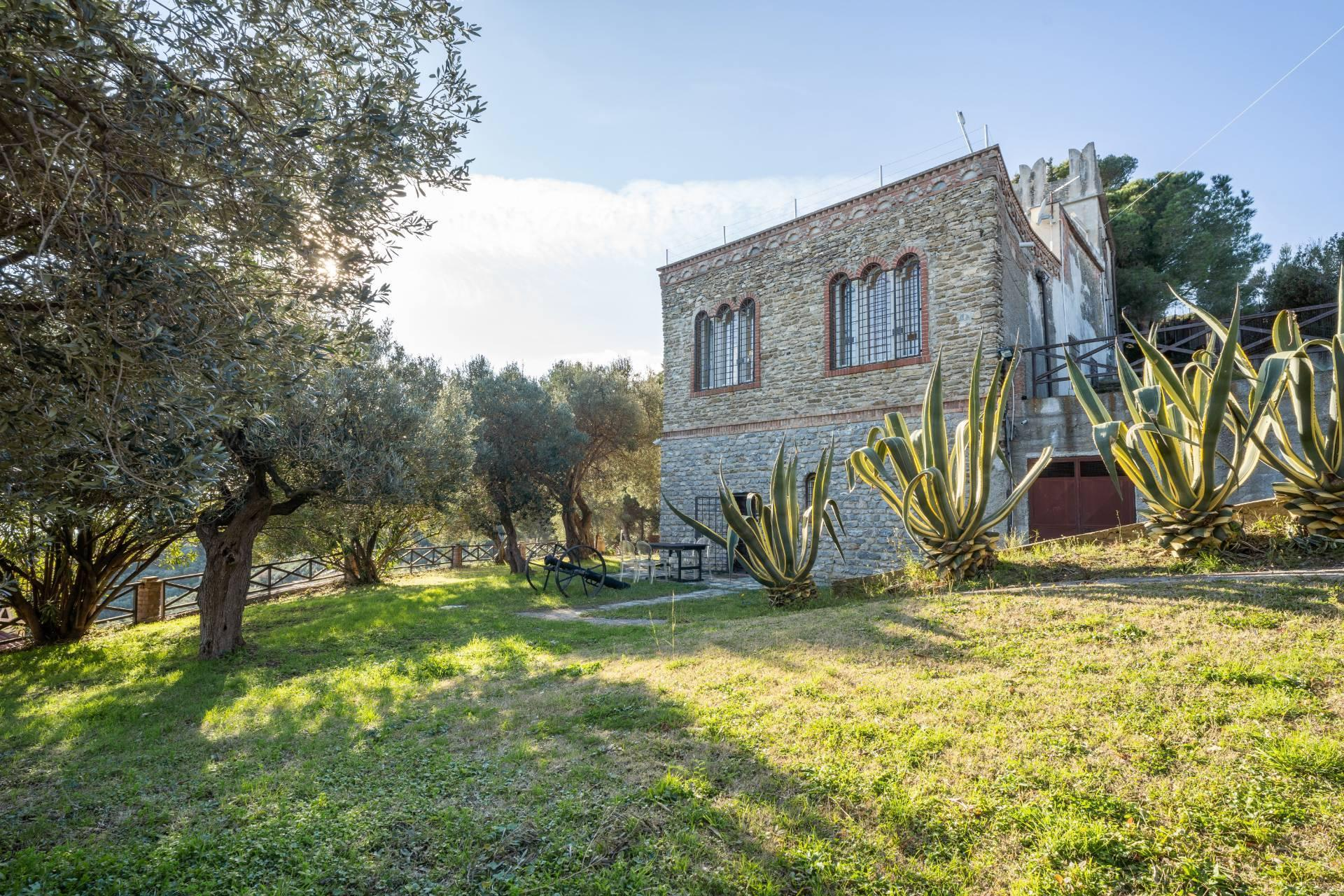 Splendid and exclusive historic villa on the hills of Albenga - 13