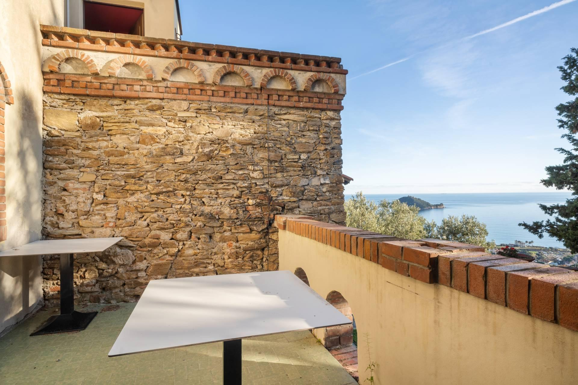 Splendid and exclusive historic villa on the hills of Albenga - 9