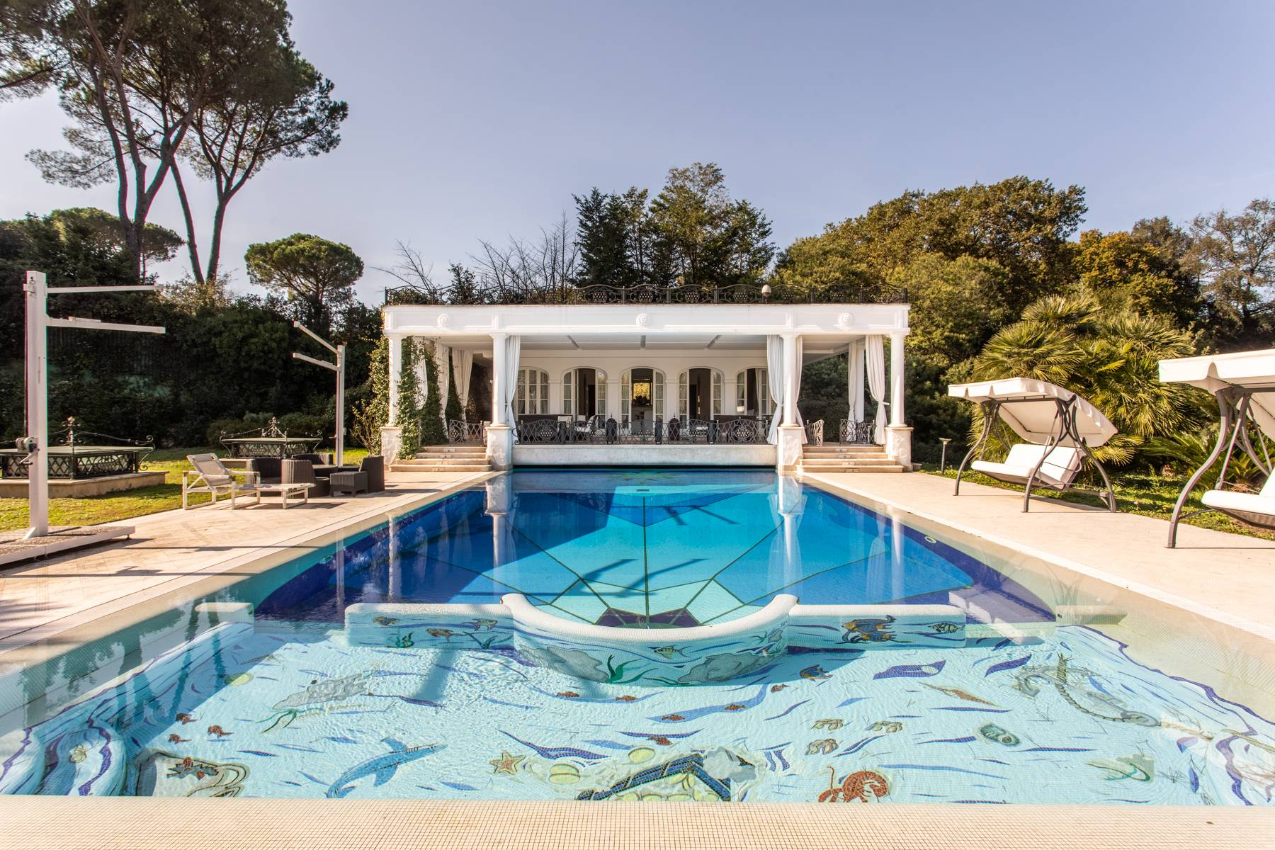 Splendida villa immersa nel verde - 5