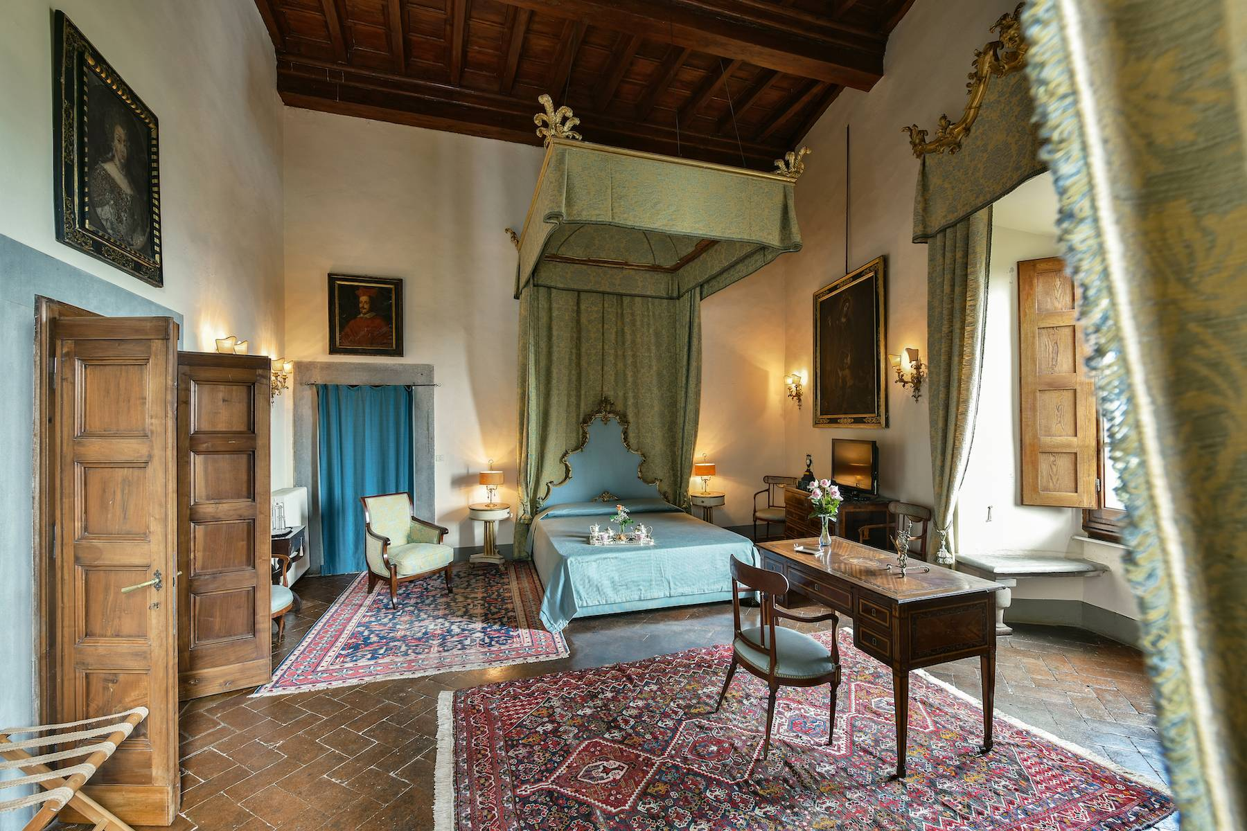 Majestic historical villa in the heart of Tuscany - 18