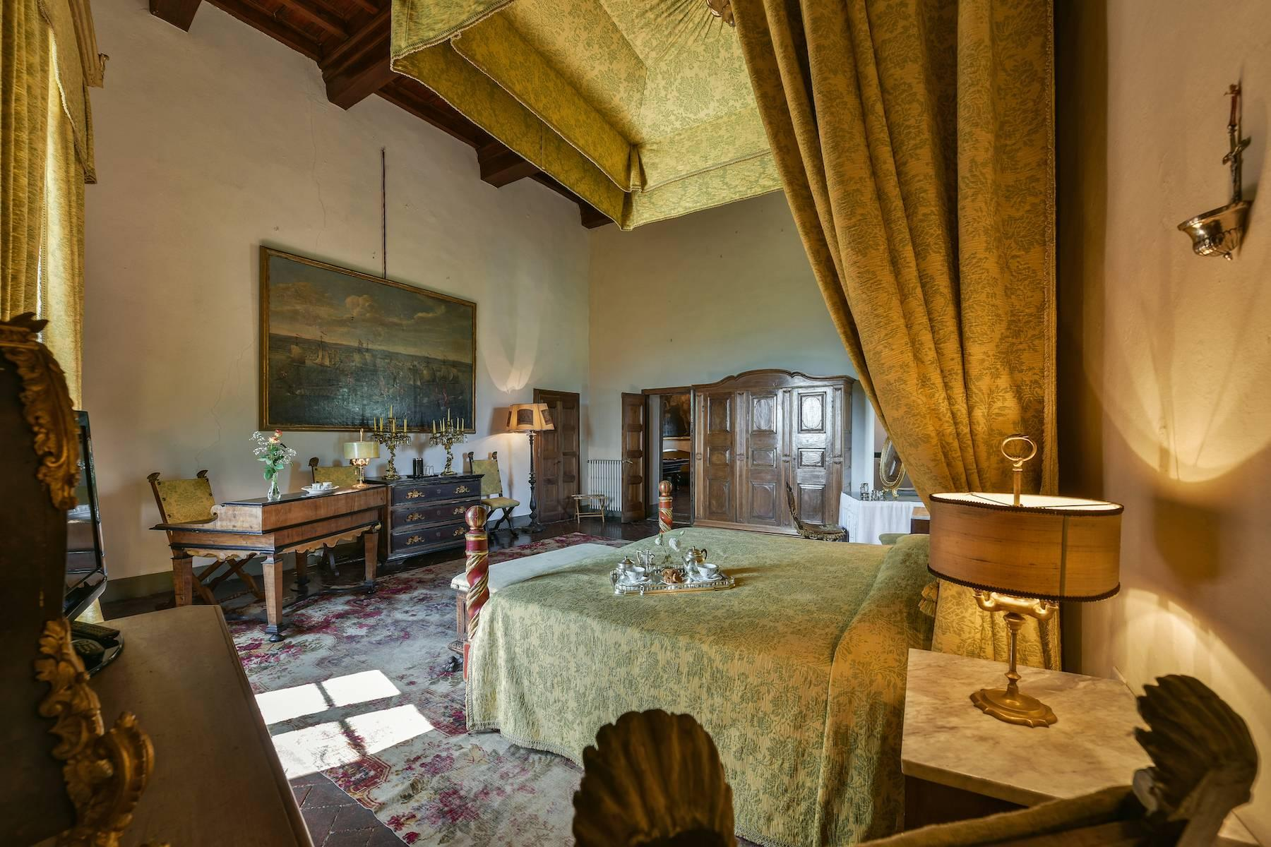 Majestic historical villa in the heart of Tuscany - 19