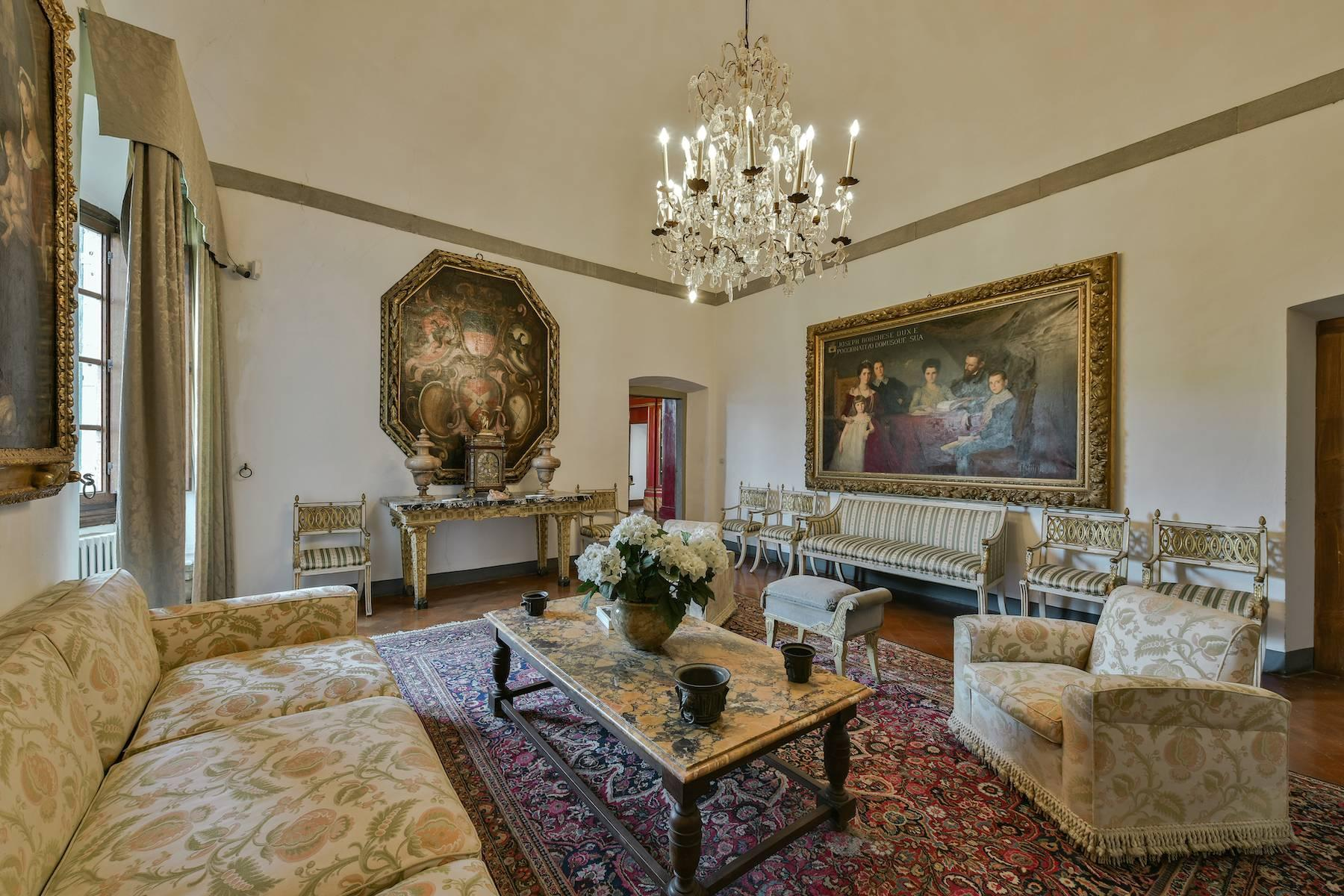 Majestic historical villa in the heart of Tuscany - 20