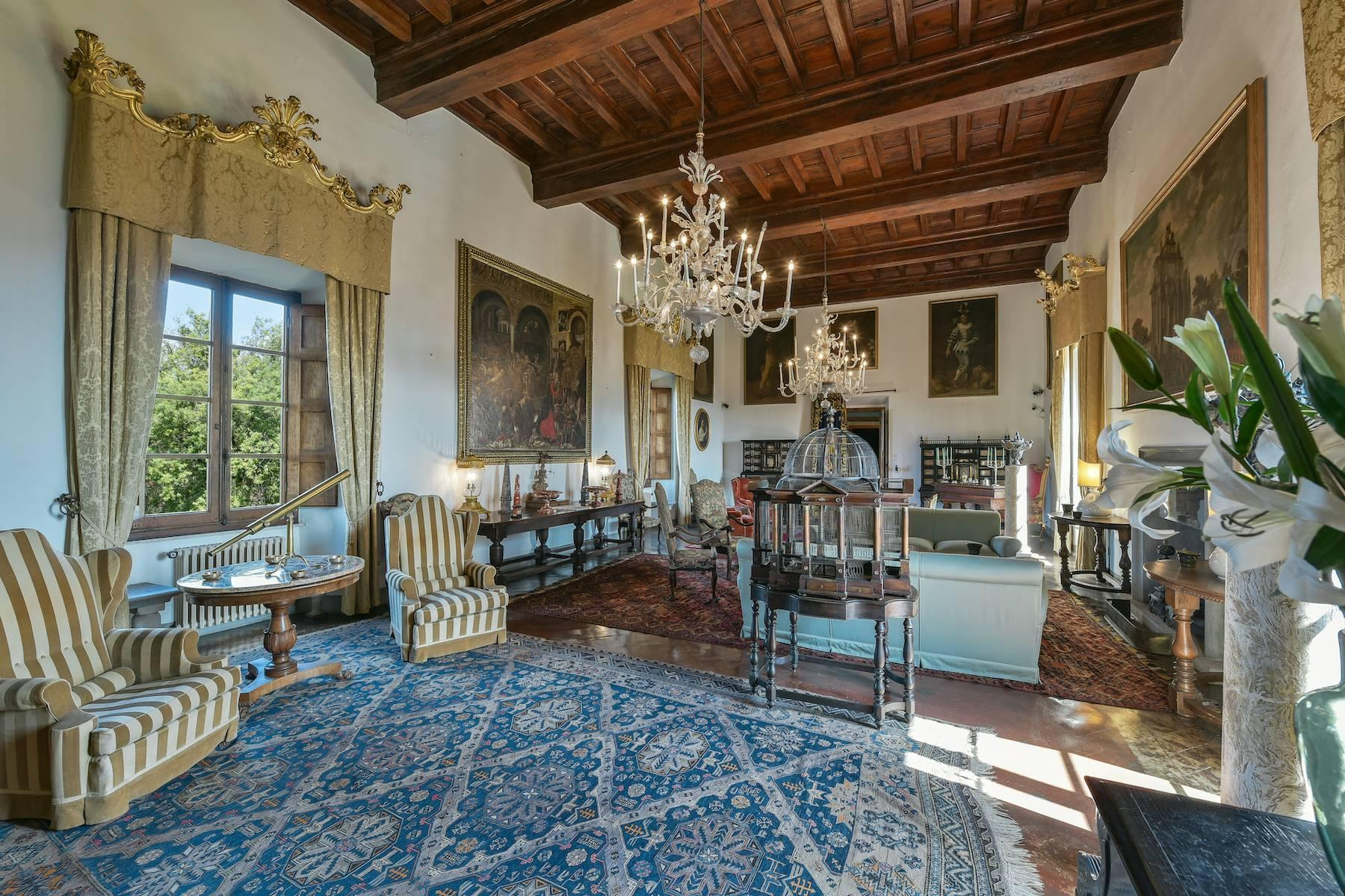 Majestic historical villa in the heart of Tuscany - 6