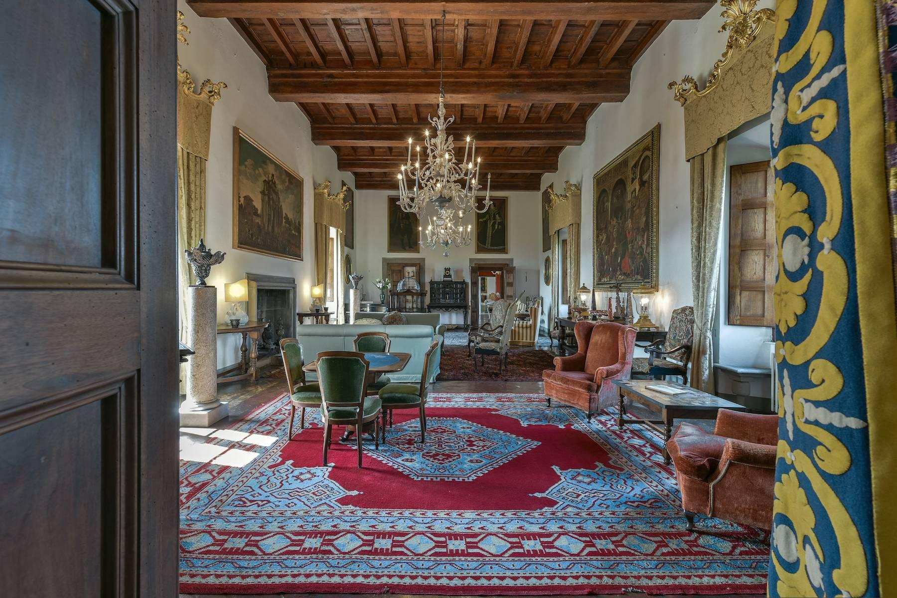 Majestic historical villa in the heart of Tuscany - 9