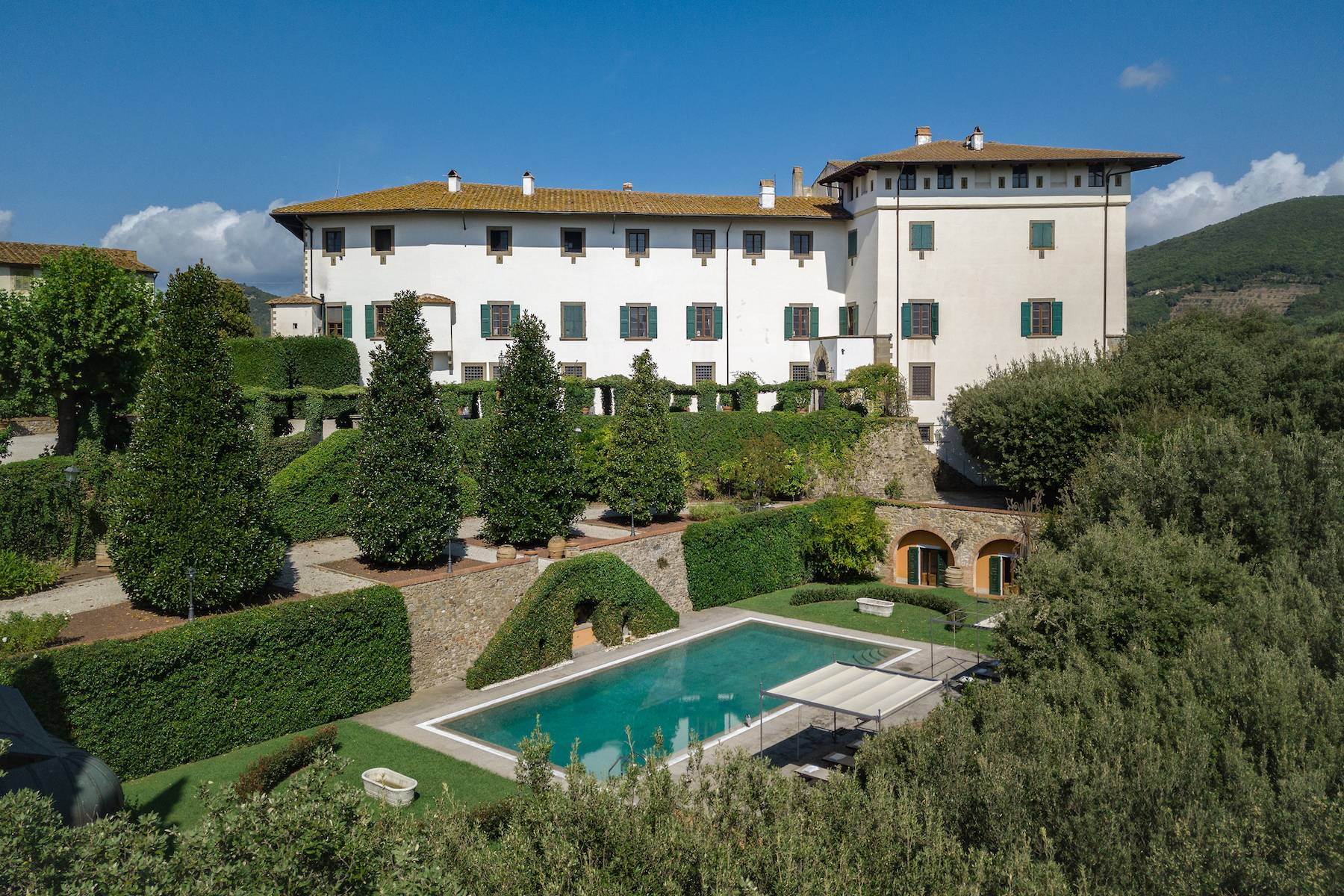 Majestic historical villa in the heart of Tuscany - 1