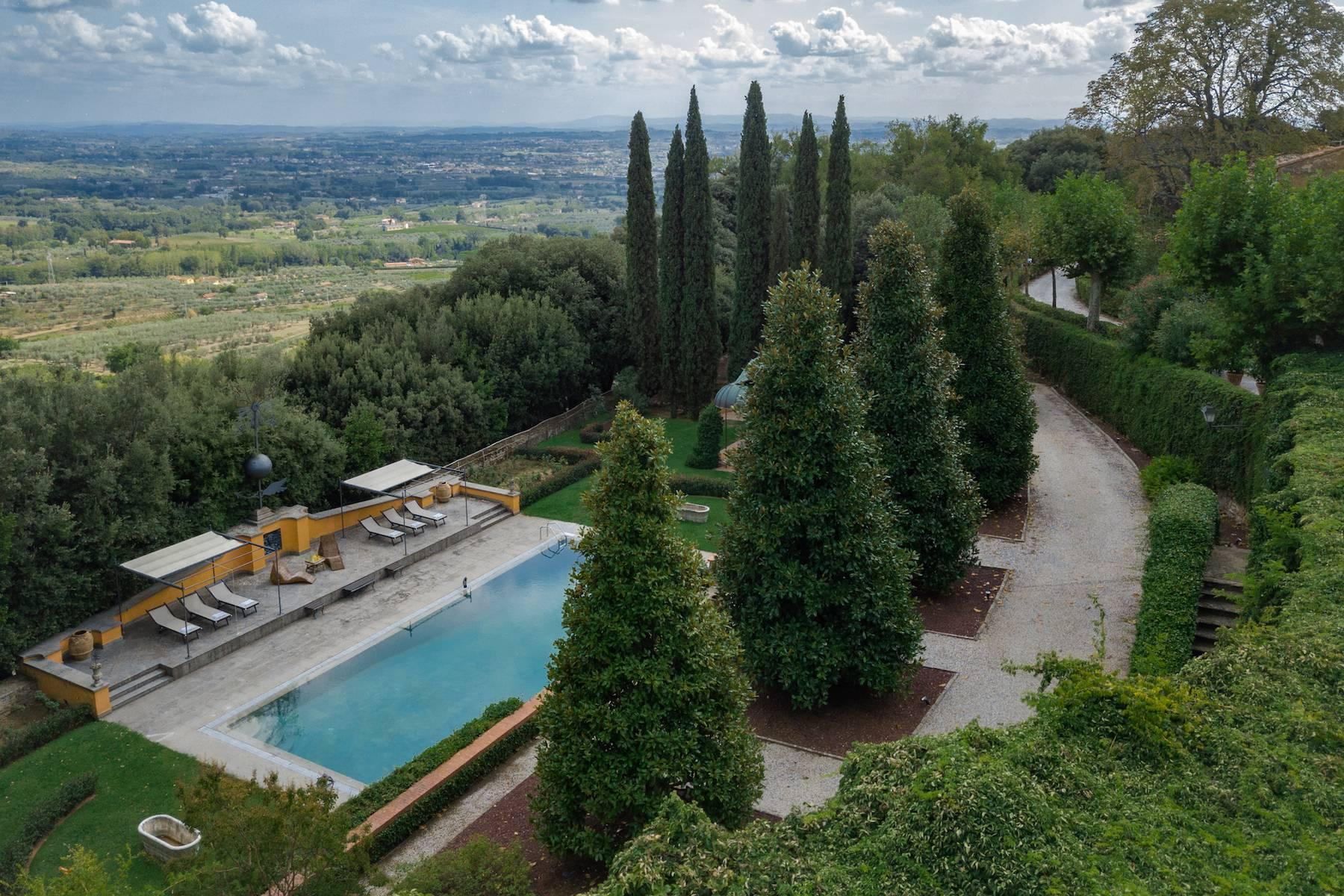 Majestic historical villa in the heart of Tuscany - 5