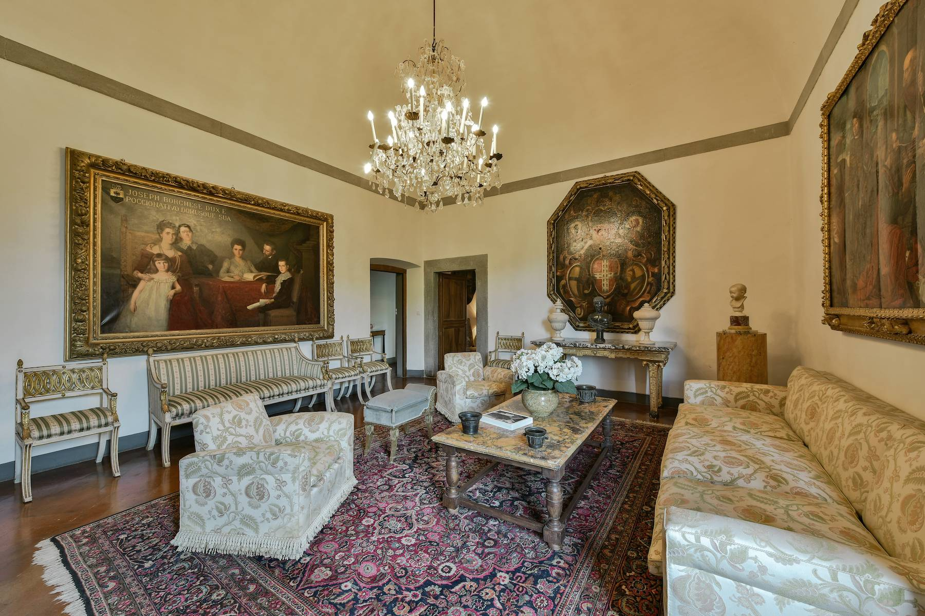 Majestic historical villa in the heart of Tuscany - 10