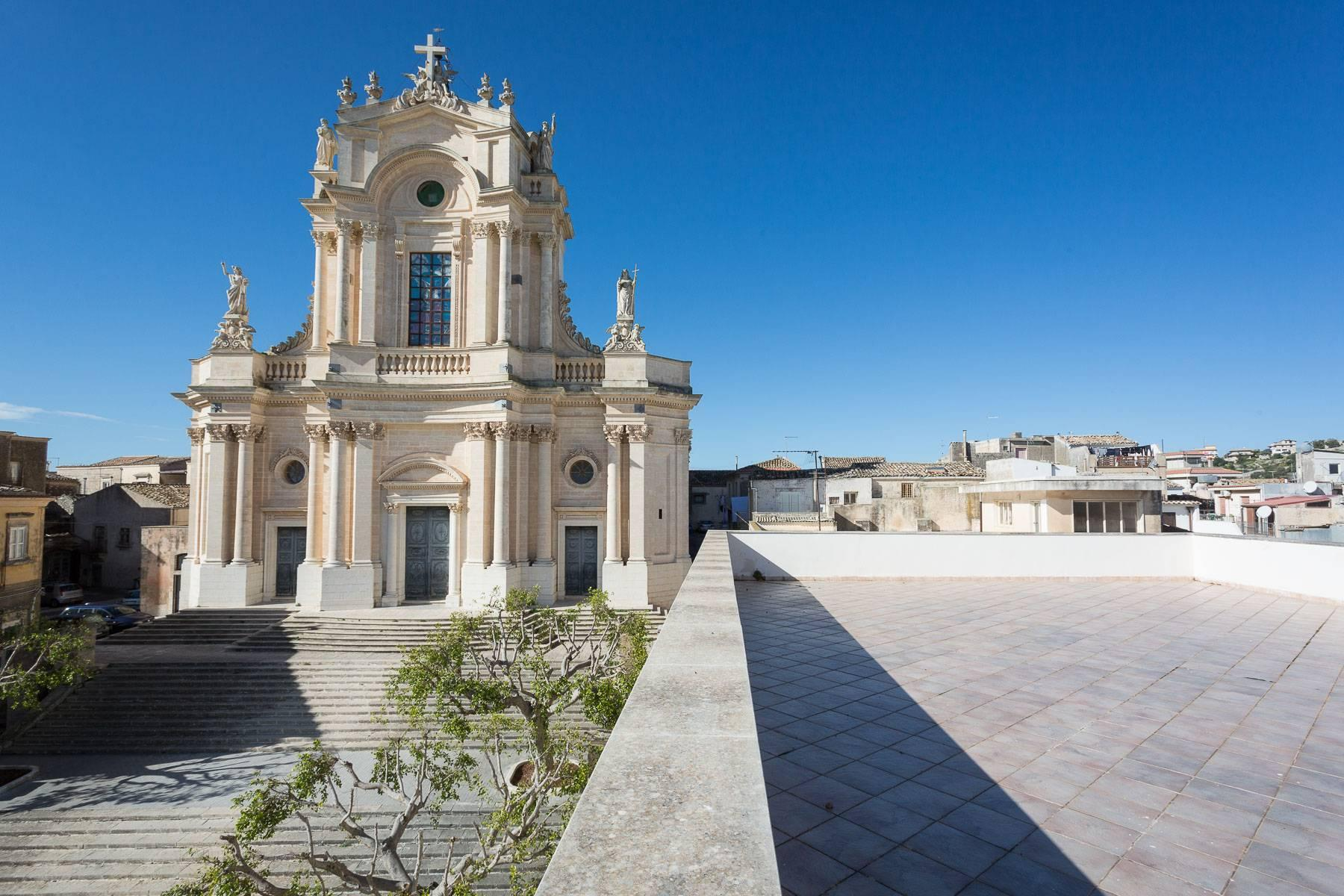 Historical Palace in Modica - 10