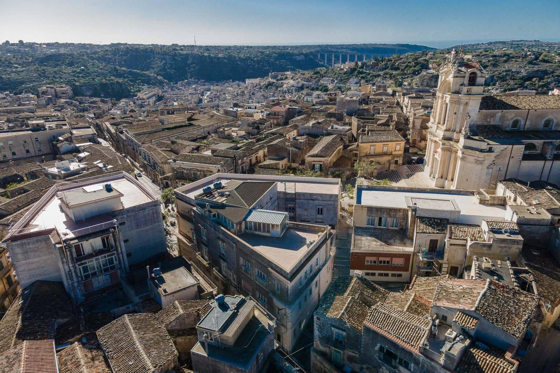 Historical Palace in Modica - 26