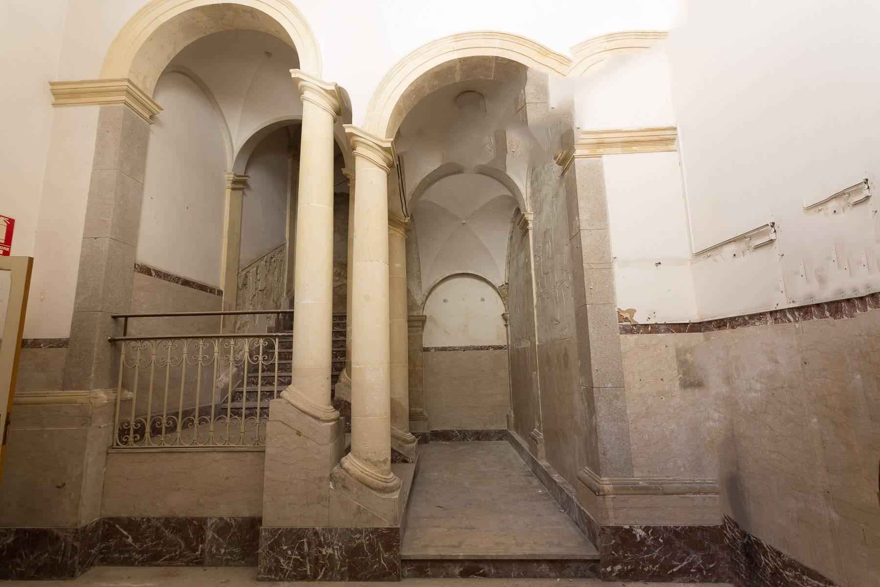 Старинный дворец в Модике - 3